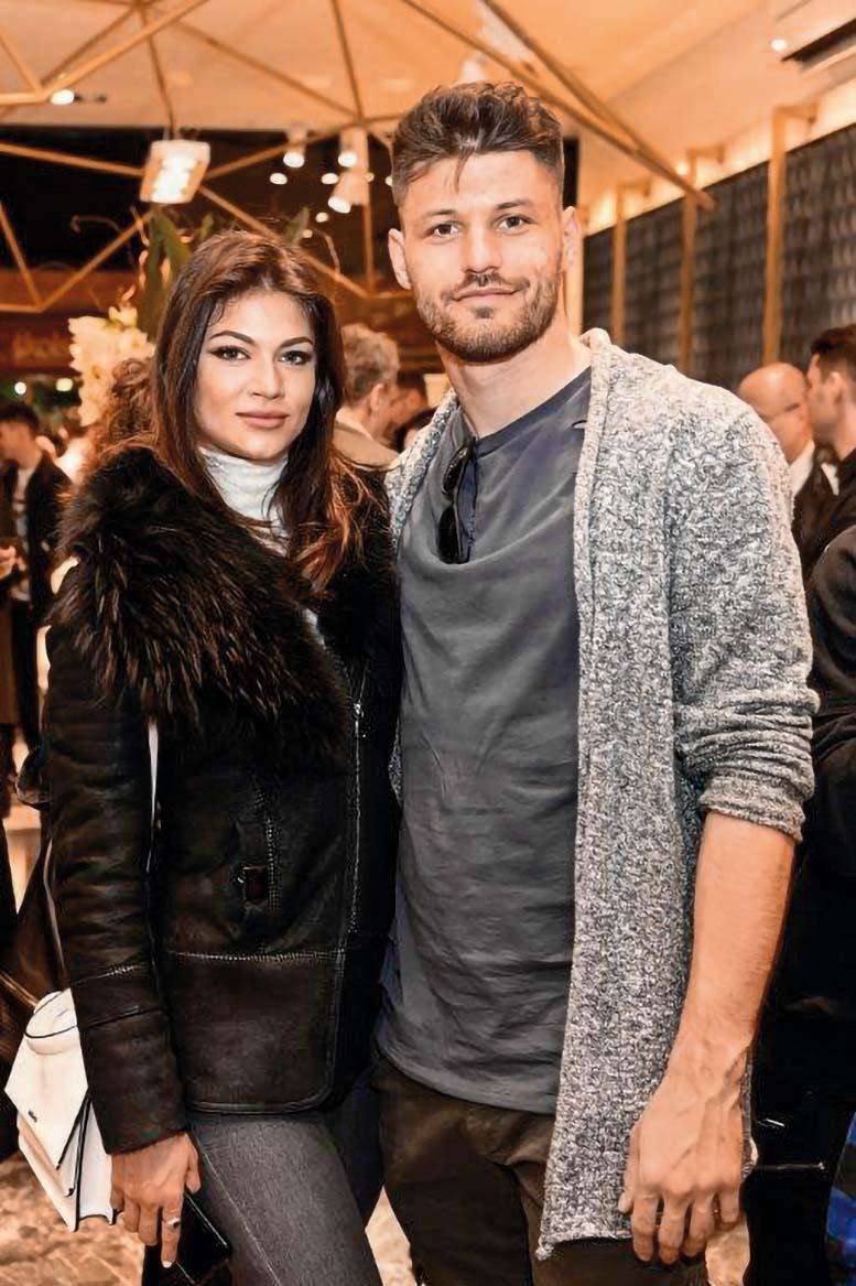 S djevojkom Teom Slavicom upoznao se na društvenim mrežama