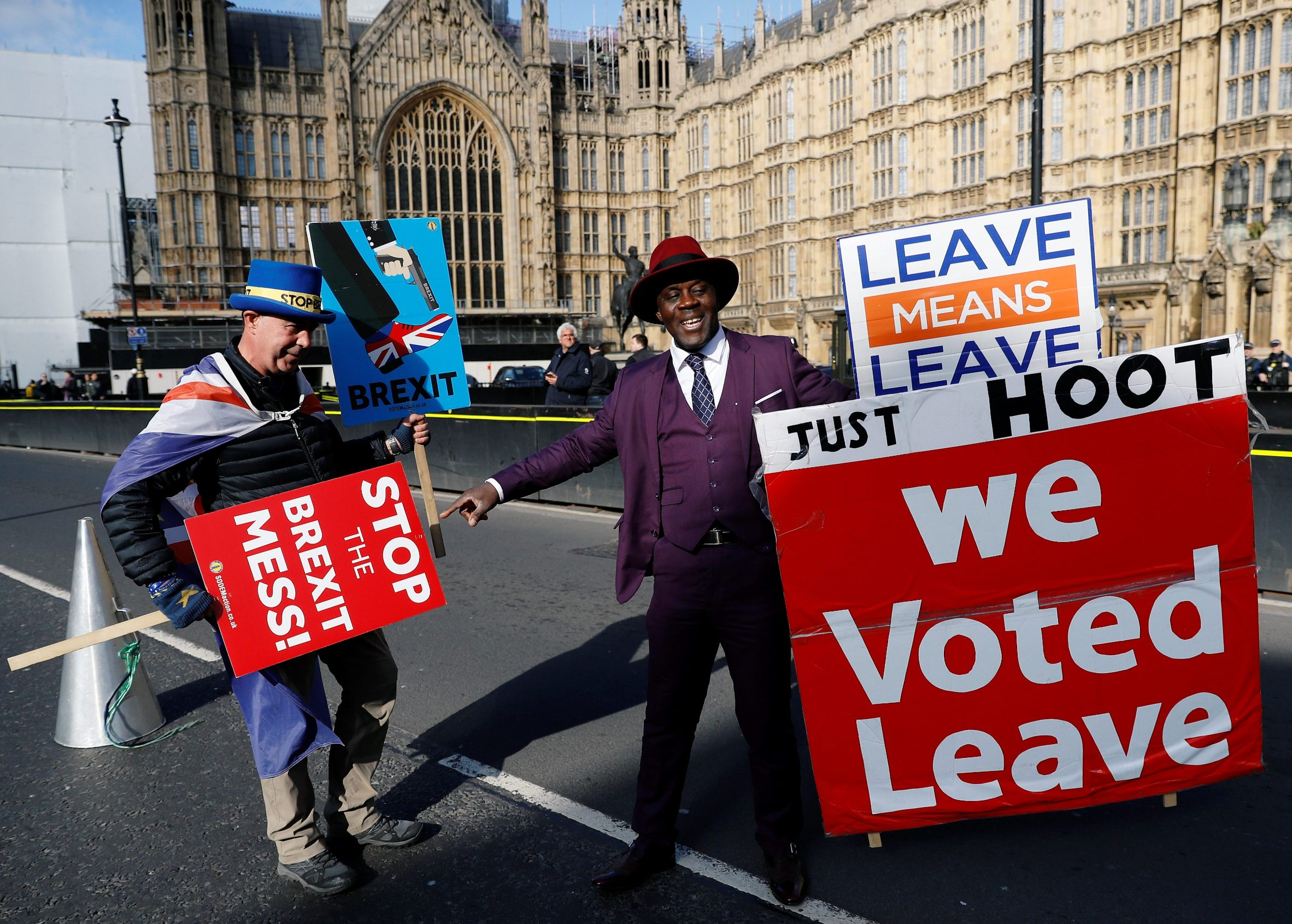 Prosvjedi pred britanskim parlamentom ne prestaju