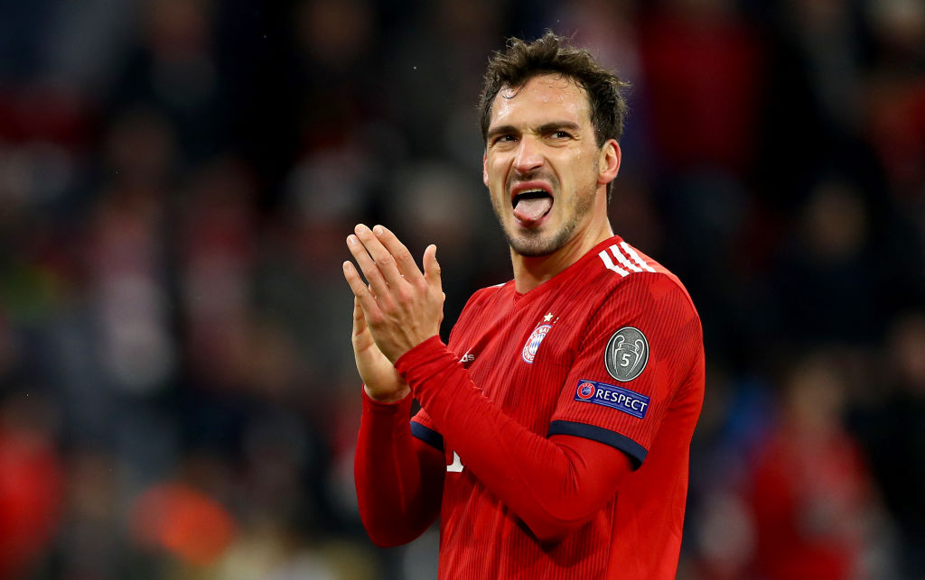 MUNICH, GERMANY - MARCH 13: Mats Hummels of Muenchen looks dejeceted after loosing the UEFA Champions League Round of 16 Second Leg match between FC Bayern Muenchen and Liverpool at Allianz Arena on March 13, 2019 in Munich, Bavaria. (Photo by Lars Baron/Bongarts/Getty Images)
