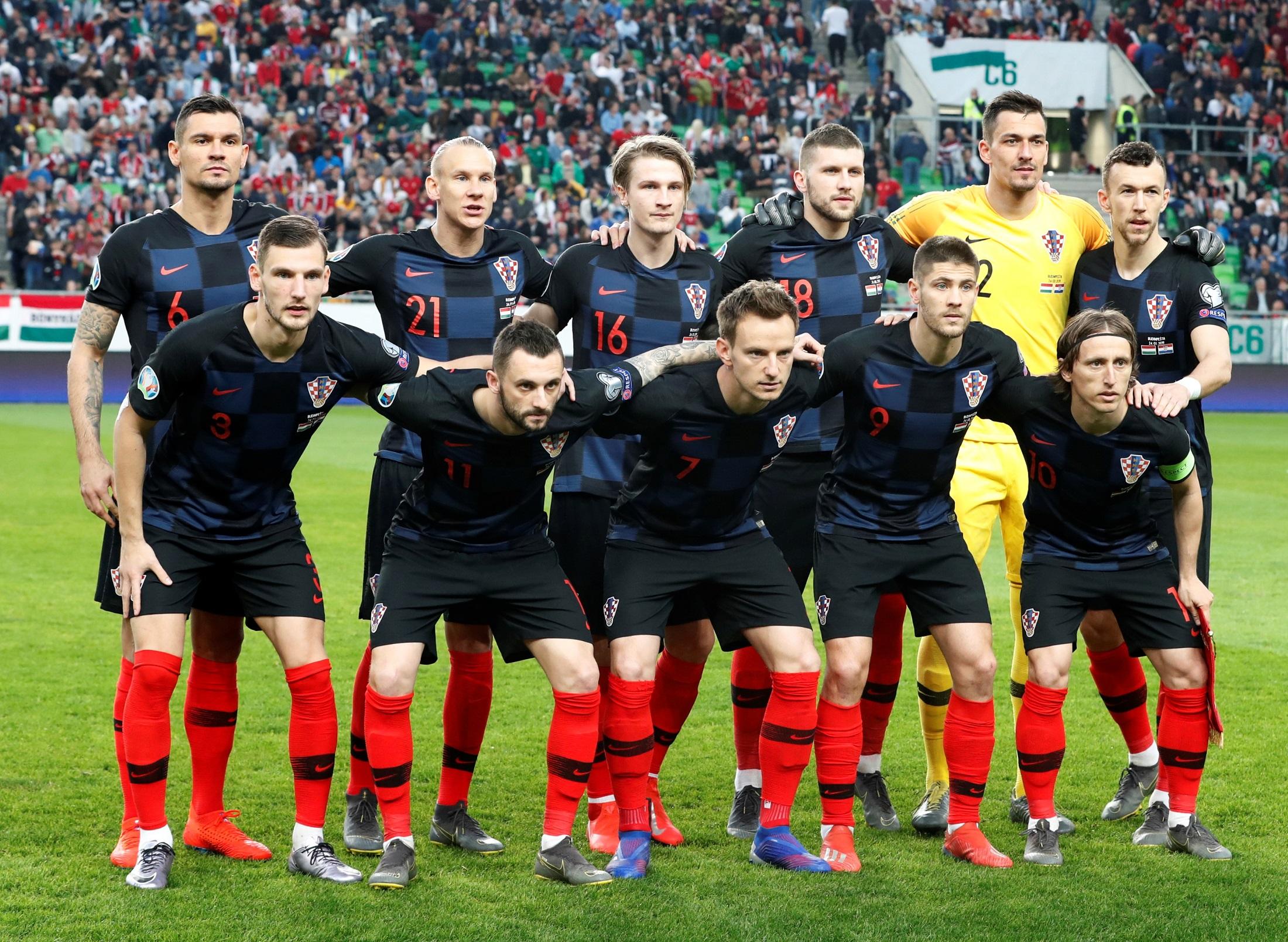 Soccer Football - Euro 2020 Qualifier - Group E - Hungary v Croatia - Groupama Arena, Budapest, Hungary - March 24, 2019  Croatia players pose for a team group photo before the match   REUTERS/Bernadett Szabo - RC116F49F310