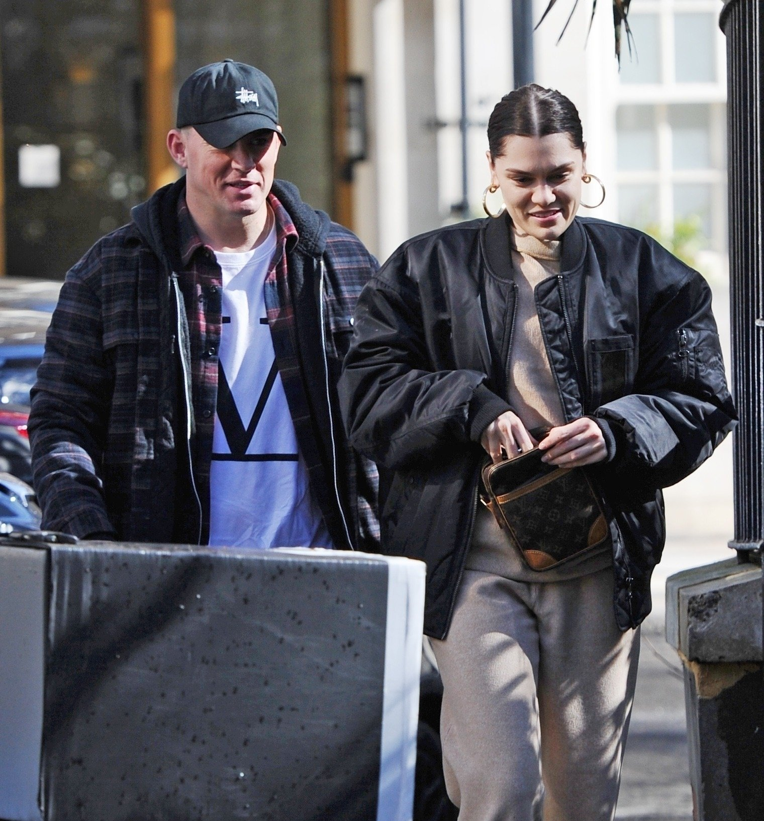 BGUK_1516833 - London, UNITED KINGDOM  - English singer Jessie J and actor boyfriend Channing Tatum pictured out and about holding hands in London. The happy couple looked relaxed as they enjoyed the Spring sunshine in London together!  Pictured: Jessie J, Channing Tatum  BACKGRID UK 14 MARCH 2019, Image: 419396303, License: Rights-managed, Restrictions: , Model Release: no, Credit line: Profimedia, Backgrid UK