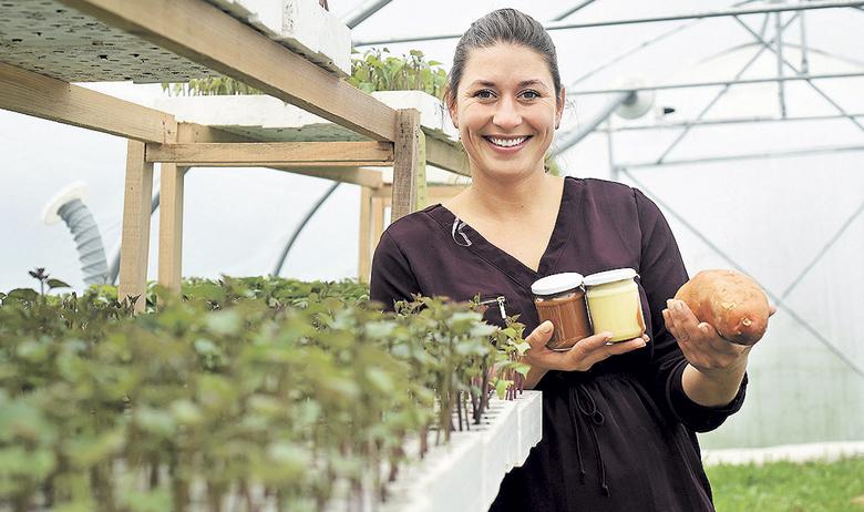 Karlovac, 270319. Dijana Prpic, uspjesna karlovacka poljoprivrednica koja je osmislila i patentirala Batelu, nutelu od Batate. Na fotografiji: Dijana Prpic. Foto: Robert Fajt / CROPIX