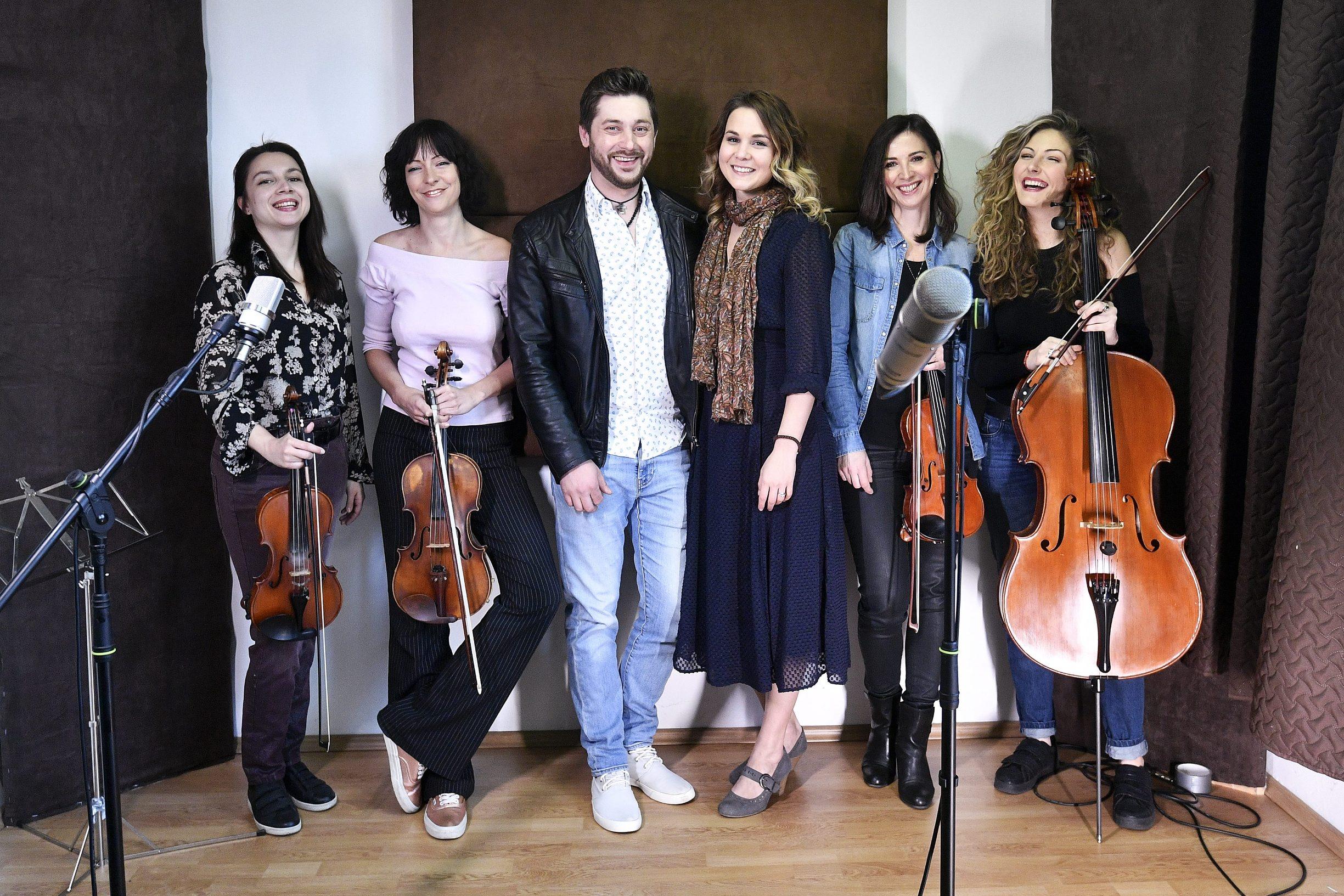 Marko Vukes sa suprugom Nevenom i kvartetom Vortex Strings