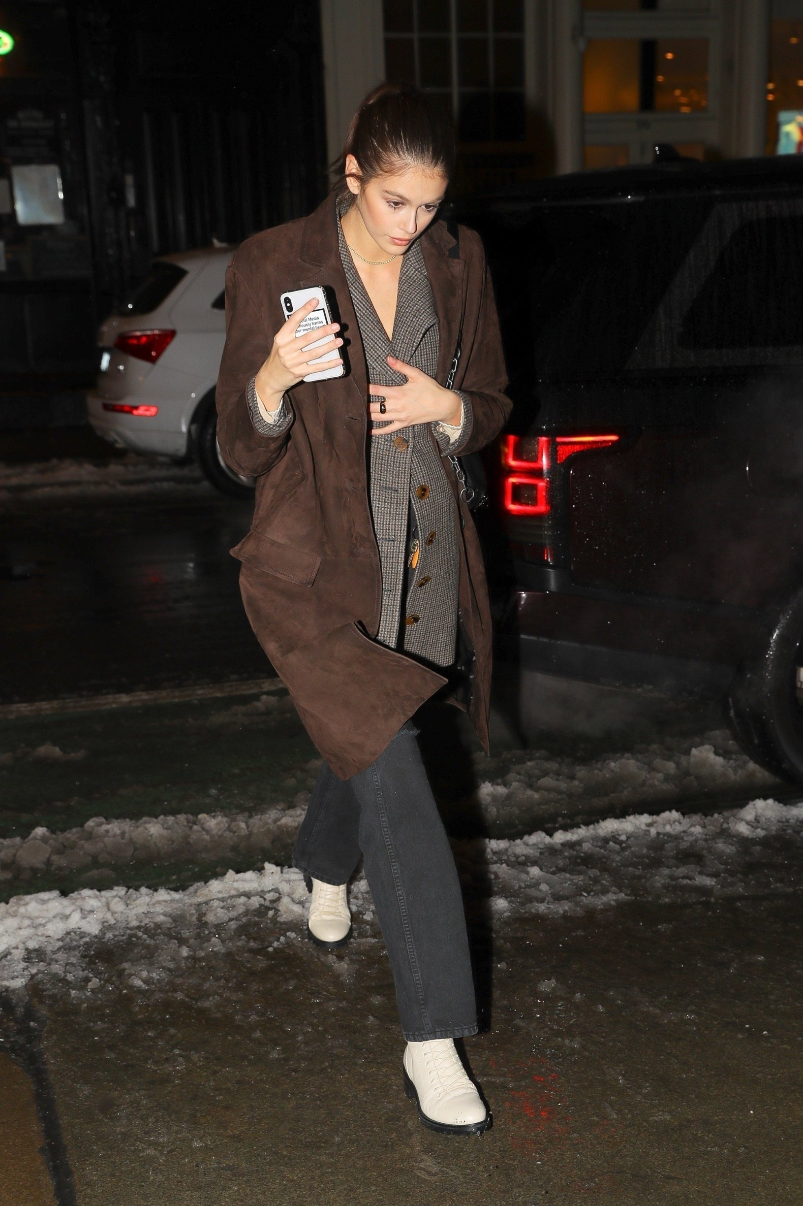 New York, NY  - Model Kaia Gerber is seen returning to her hotel after attending various fashion show during New York Fashion Week in New York.  Pictured: Kaia Gerber    *UK Clients - Pictures Containing Children Please Pixelate Face Prior To Publication*, Image: 413551065, License: Rights-managed, Restrictions: , Model Release: no, Credit line: Profimedia, Backgrid USA