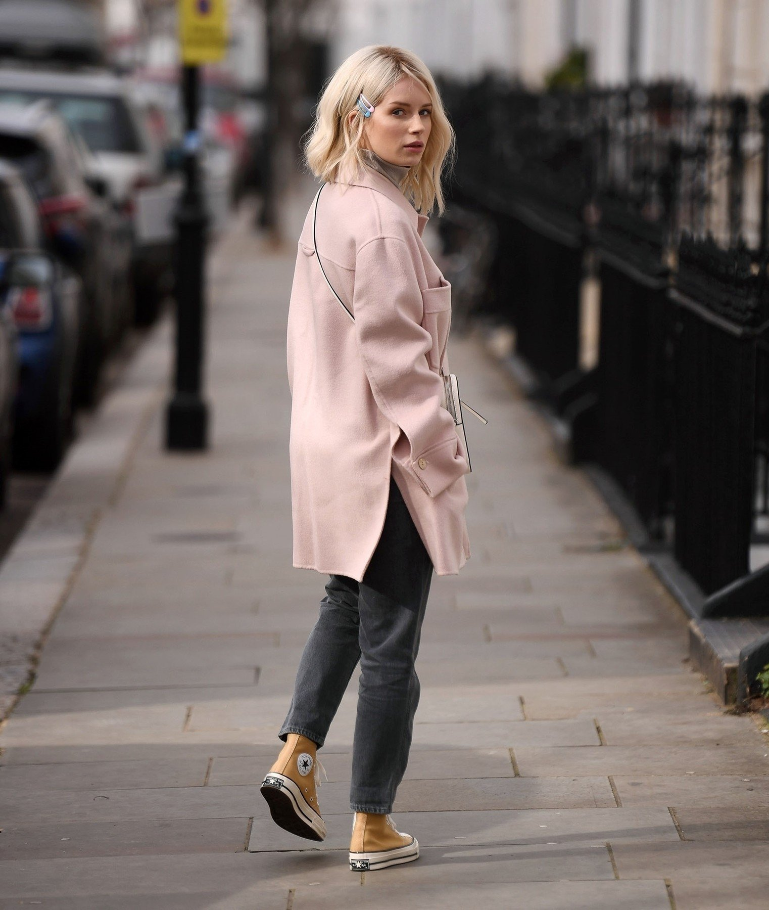 BGUK_1508003 - London, UNITED KINGDOM  - *EXCLUSIVE*  - Kate Moss model sister Lottie Moss shows off new cropped hairstyle as she's pictured out shopping on Kings Road in London. The British Model looked casual as she wore a Pink coat with Grey jeans and mustard Converse trainers!  Pictured: Lottie Moss  BACKGRID UK 5 MARCH 2019, Image: 417408114, License: Rights-managed, Restrictions: , Model Release: no, Credit line: Profimedia, Backgrid UK
