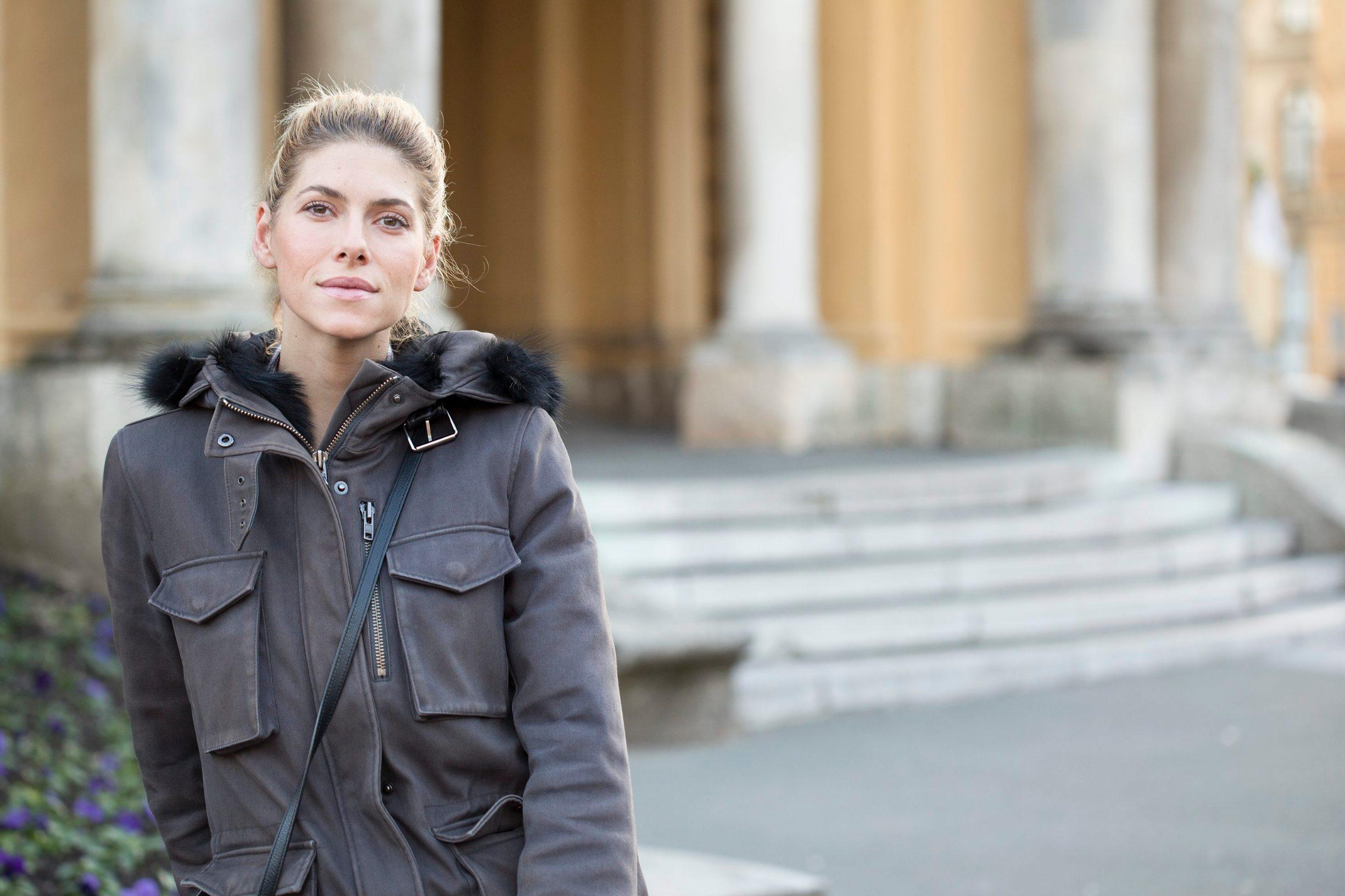 Zagreb, 091116. Hrvatska glumica Jelana Percin snimljena ispred zagrebackog HNK. Foto: Nikola Serventic / CROPIX