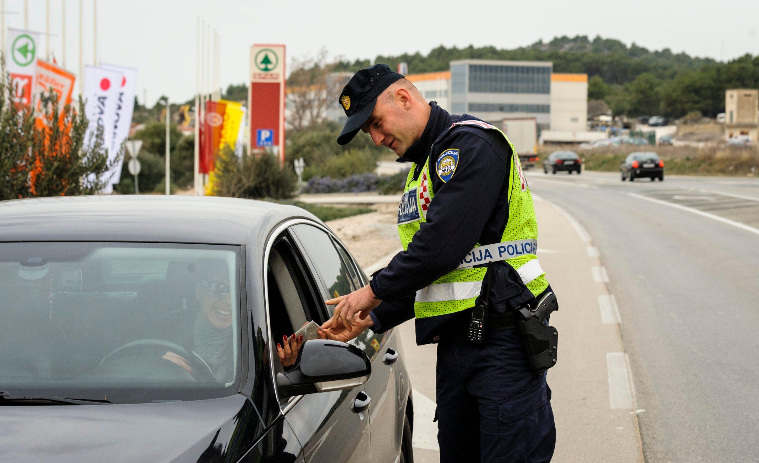 policija_promet01-080319