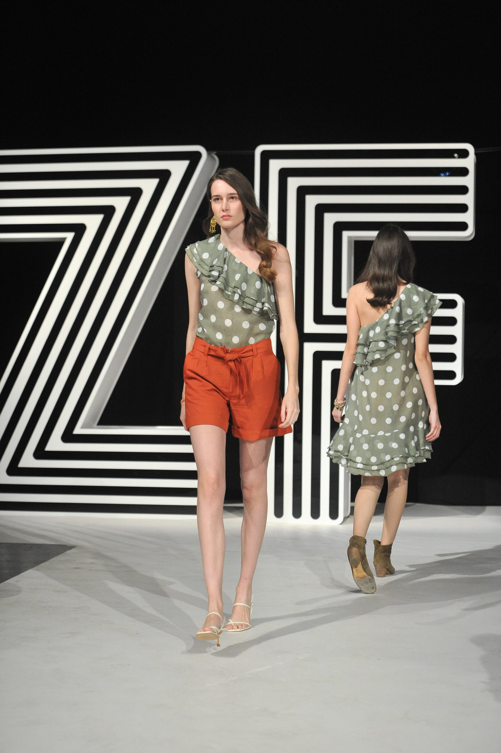 Modeli  dizajnera: Loulu Couture