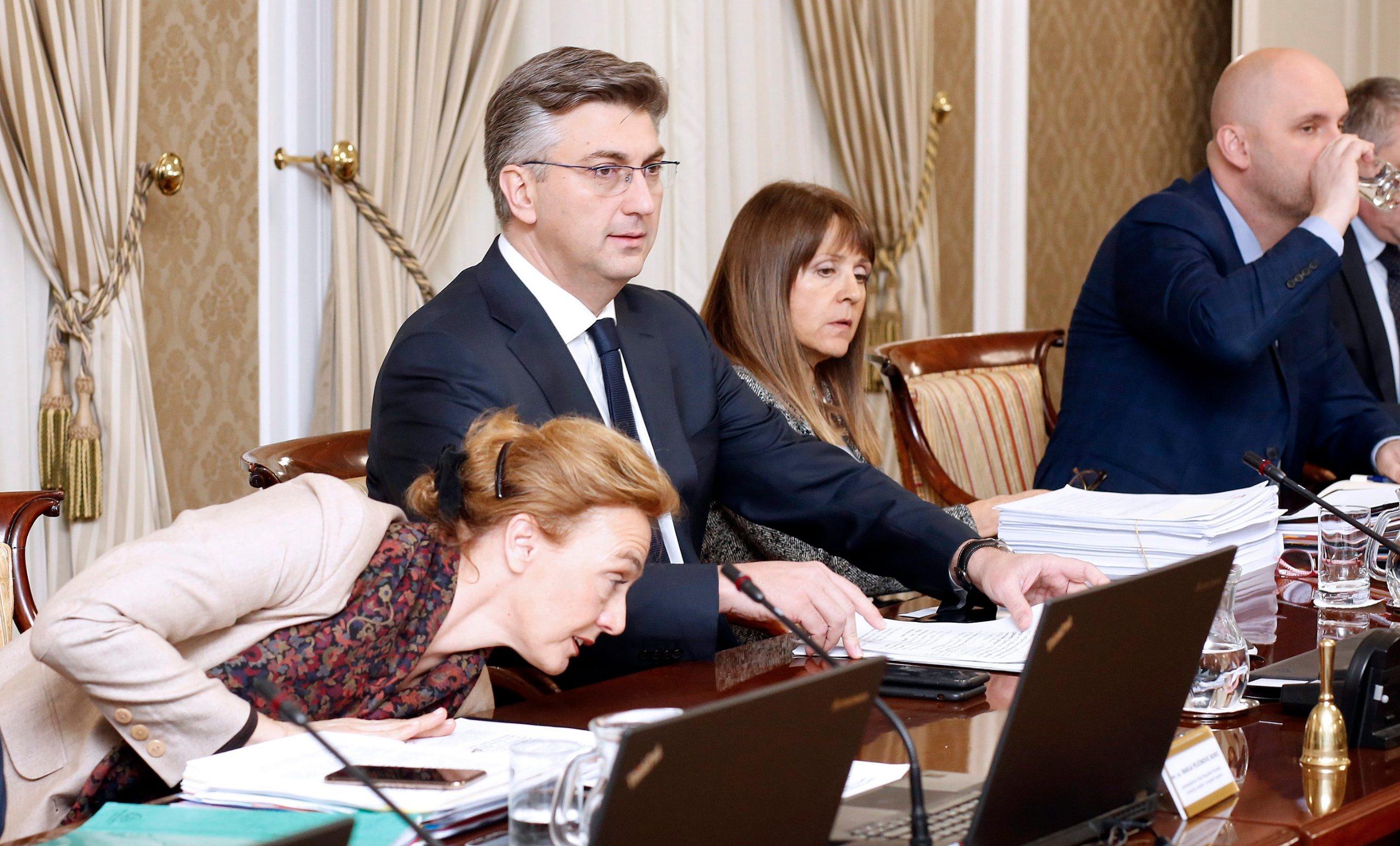Ministrica vanjskih i europskih poslova Marija Pejčinović Burić, premijer Andrej Plenković i potpredsjednik vlade Tomislav Tolušić