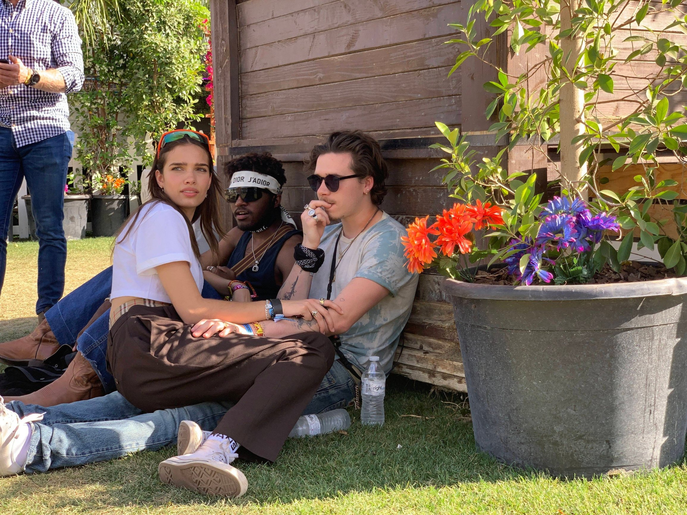 Brooklyn Beckham and his girlfriend Hana Cross get coZy as they enjoy some Time backstage at Coachella . 14 Apr 2019, Image: 426163319, License: Rights-managed, Restrictions: World Rights, Model Release: no, Credit line: Profimedia, Mega Agency