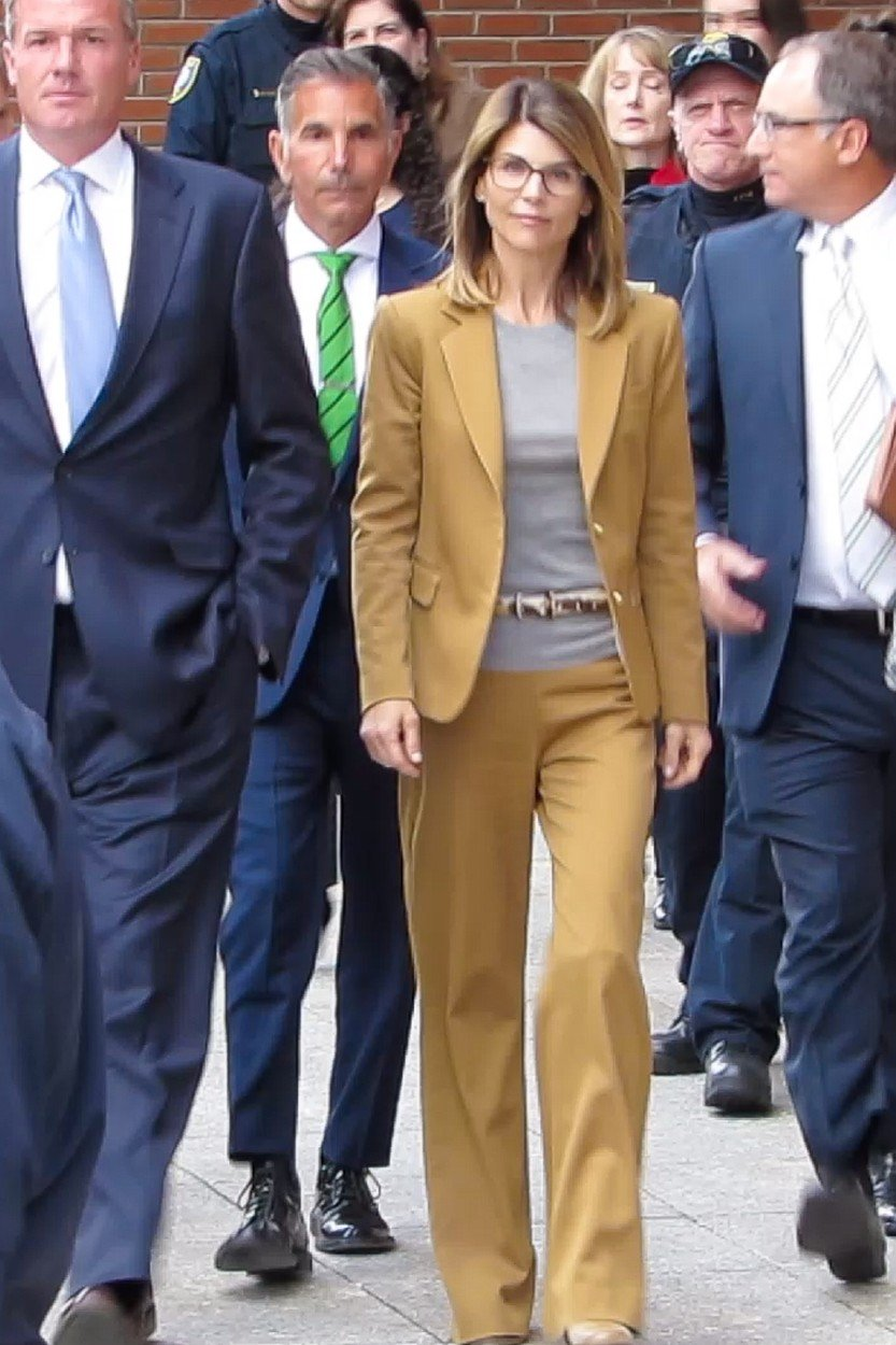 Boston, MA  - Actress Lori Loughlin was in the federal courthouse here Wednesday for her initial appearance before a judge on felony charges she bribed and cheated to get her daughter admitted to elite colleges.  Pictured: Lori Loughlin  BACKGRID USA 3 APRIL 2019, Image: 424067856, License: Rights-managed, Restrictions: , Model Release: no, Credit line: Profimedia, Backgrid USA