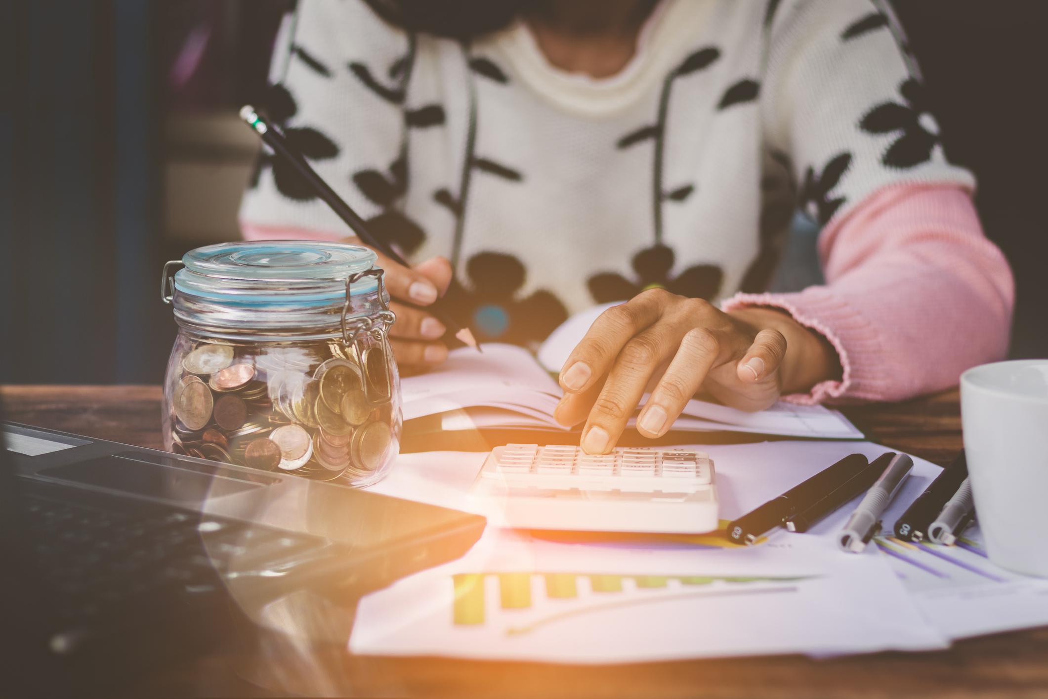 Osobne financije tiču se vaše sadašnjosti, ali i budućnosti. To znači da kontrola vaših prihoda i rashoda pomaže vama i vašoj obitelji.