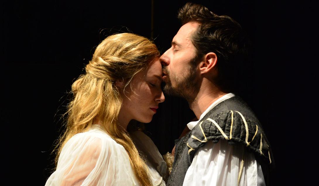 U glavnim ulogama mladog Williama Shakespearea i Viole de Lesseps su Filip Juričić i Dajana Čuljak