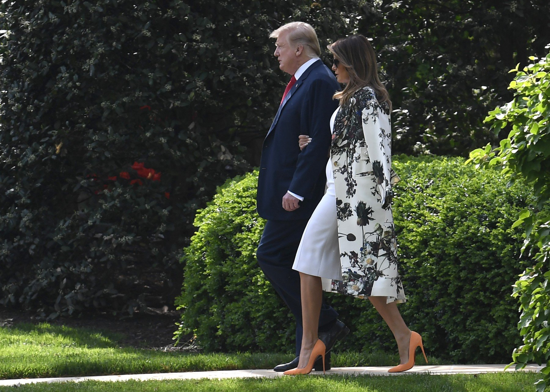 President Donald Trump and First Lady Melania Trump walk from the Oval Office to Marine One for departure from the White House, April 18, 2019, Washington, DC. The Trumps will spend Easter weekend at the Mar-a-Lago estate in Florida.          Photo by /UPI, Image: 426828247, License: Rights-managed, Restrictions: , Model Release: no, Credit line: Profimedia, UPI