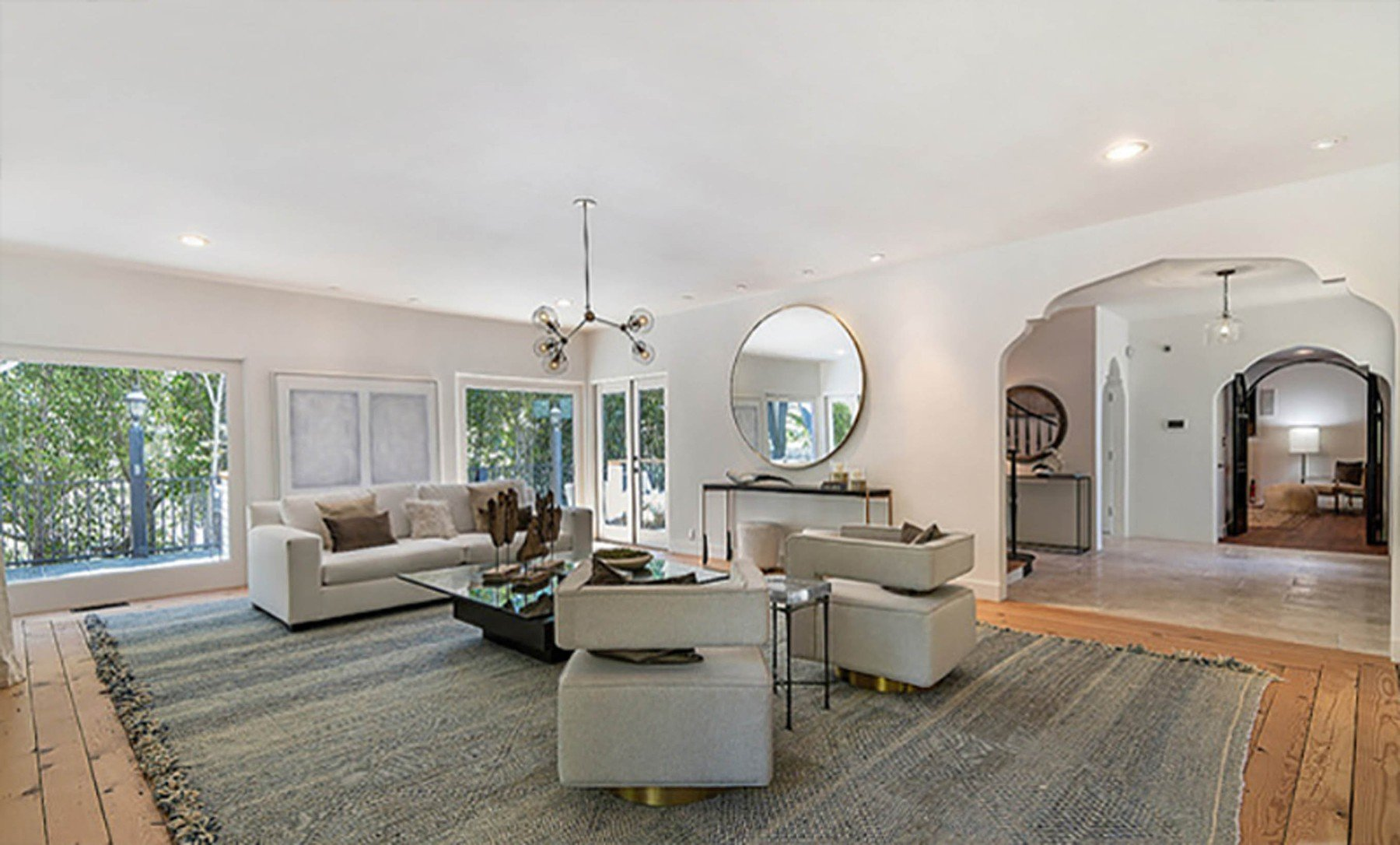 2-4-2019  Jessica Alba is looking to sell her home in Beverly Hills, Los Angeles for .195 million having recently purchased a larger house. With 5,300 square feet of living space, there are 5 bedrooms and 7 bathrooms. Built in the mid-1970s, the house sits on almost half of an acre of land behind large security gates.  Pictured: Jessica Alba's house, Image: 423689995, License: Rights-managed, Restrictions: , Model Release: no, Credit line: Profimedia, Planet