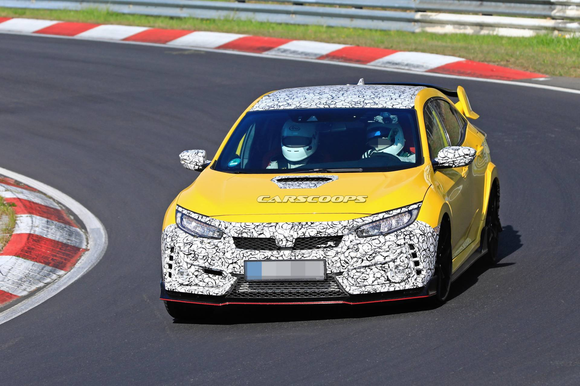 7a5fcf3c-2019-honda-civic-type-r-facelift-spy-shots-15