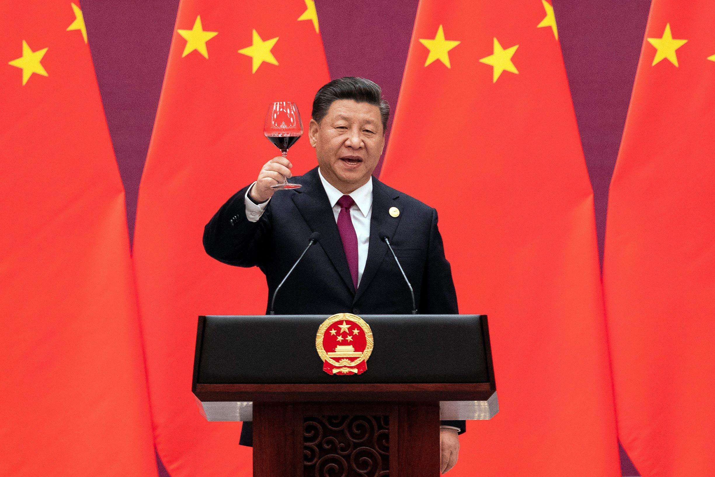 Kineski predsjednik Xi Jinping poziva na zdravicu nakon svog govora na Forumu Pojas i Put u Pekingu.