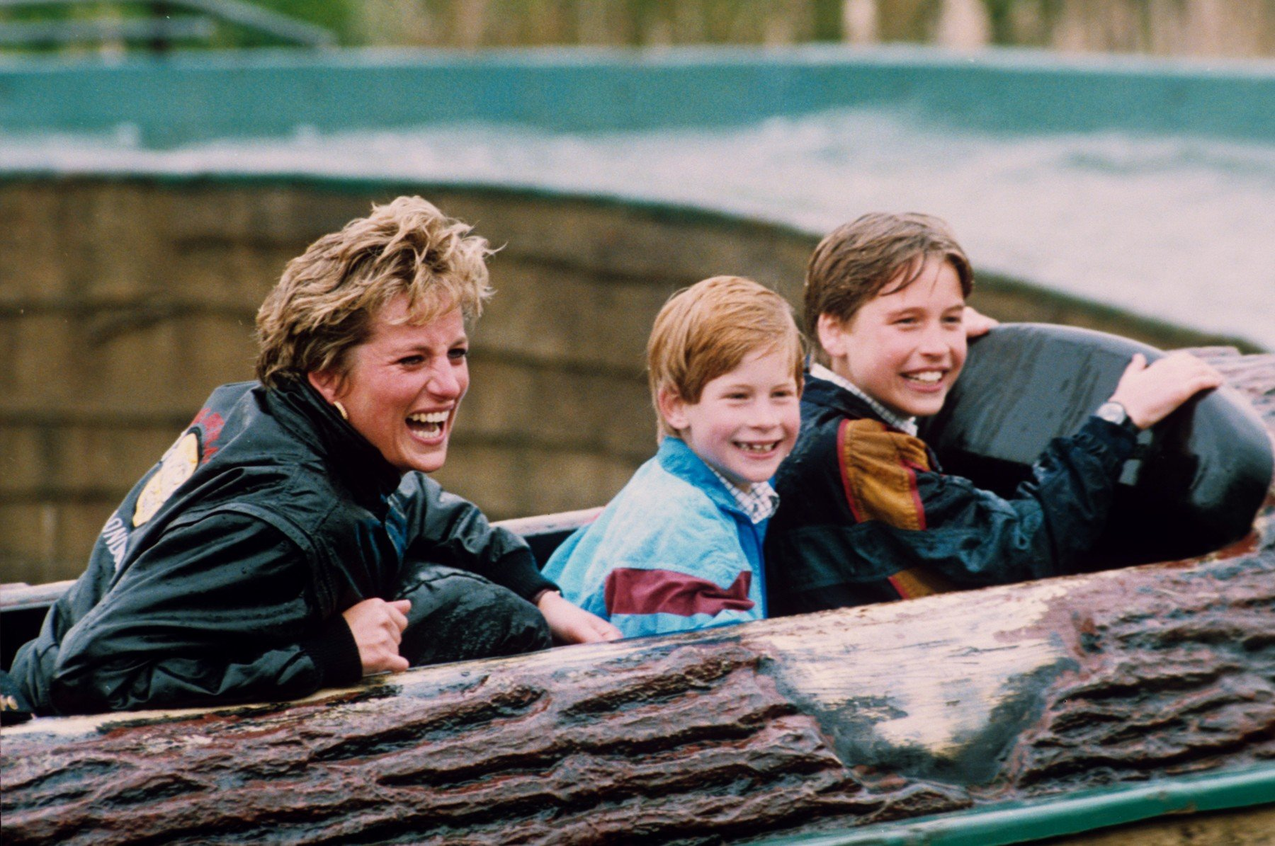 PRINCESS DIANA AND SONS, PRINCES WILLIAM AND HARRY ON A WATER RIDE AT THORPE PARK PRINCESS DIANA AT THORPE PARK, BRITAIN - ARP 1993, Image: 230962043, License: Rights-managed, Restrictions: , Model Release: no, Credit line: Profimedia, TEMP Rex Features