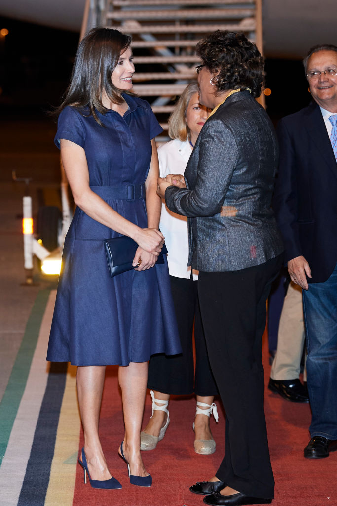 MAPUTO, MOZAMBIQUE - APRIL 28: Queen Letizia of Spain arrives to the Maputo International Airport on April, 28 in Maputo, Mozambique. Queen Letizia of Spain is on a two day visit to Mozambique to support the Spanish cooperation projects. (Photo by Carlos Alvarez/Getty Images)