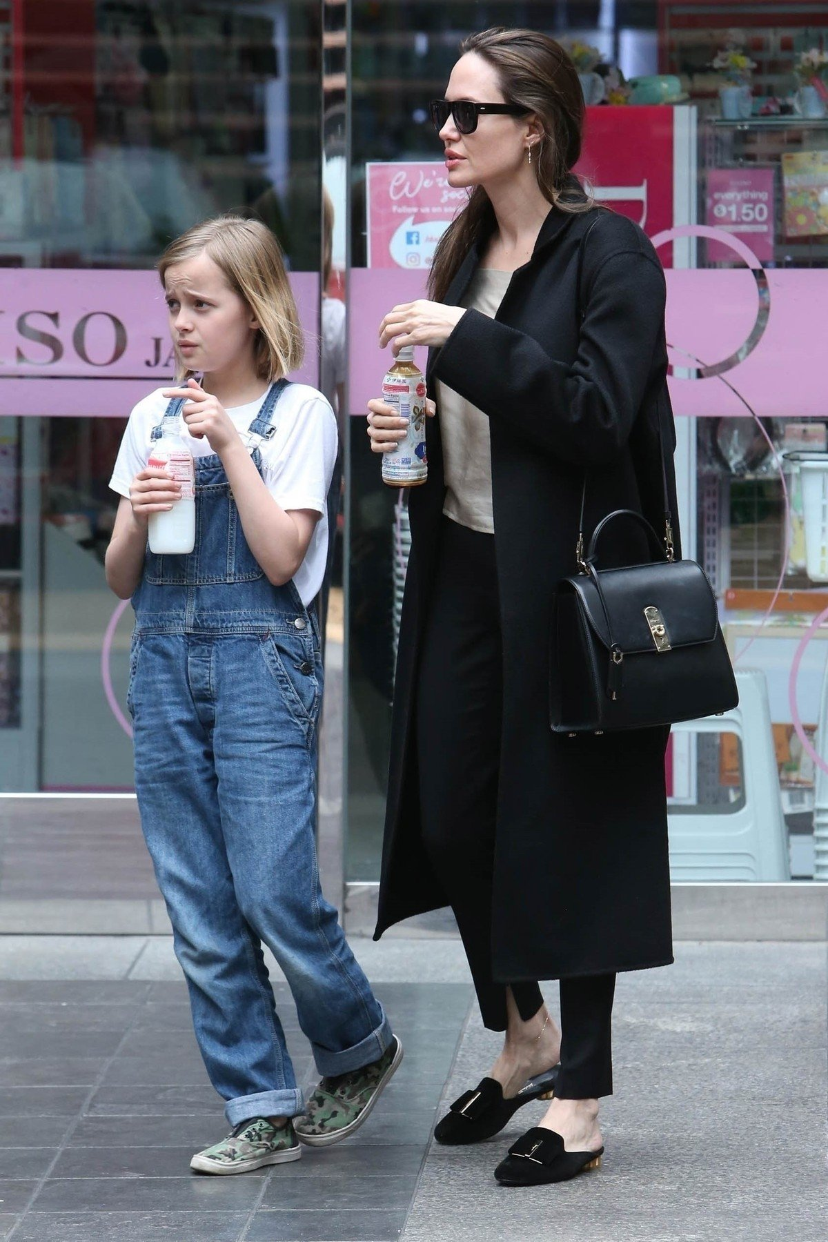 ** RIGHTS: WORLDWIDE EXCEPT IN ITALY ** Los Angeles, CA  - *EXCLUSIVE*  - Actress Angelina Jolie spends the day with daughter Vivienne. Both check out a few stores at a local mall in Los Angeles.  Pictured: Angelina Jolie, Vivienne Jolie-Pitt    *UK Clients - Pictures Containing Children Please Pixelate Face Prior To Publication*, Image: 429548482, License: Rights-managed, Restrictions: , Model Release: no, Credit line: Profimedia, Backgrid USA