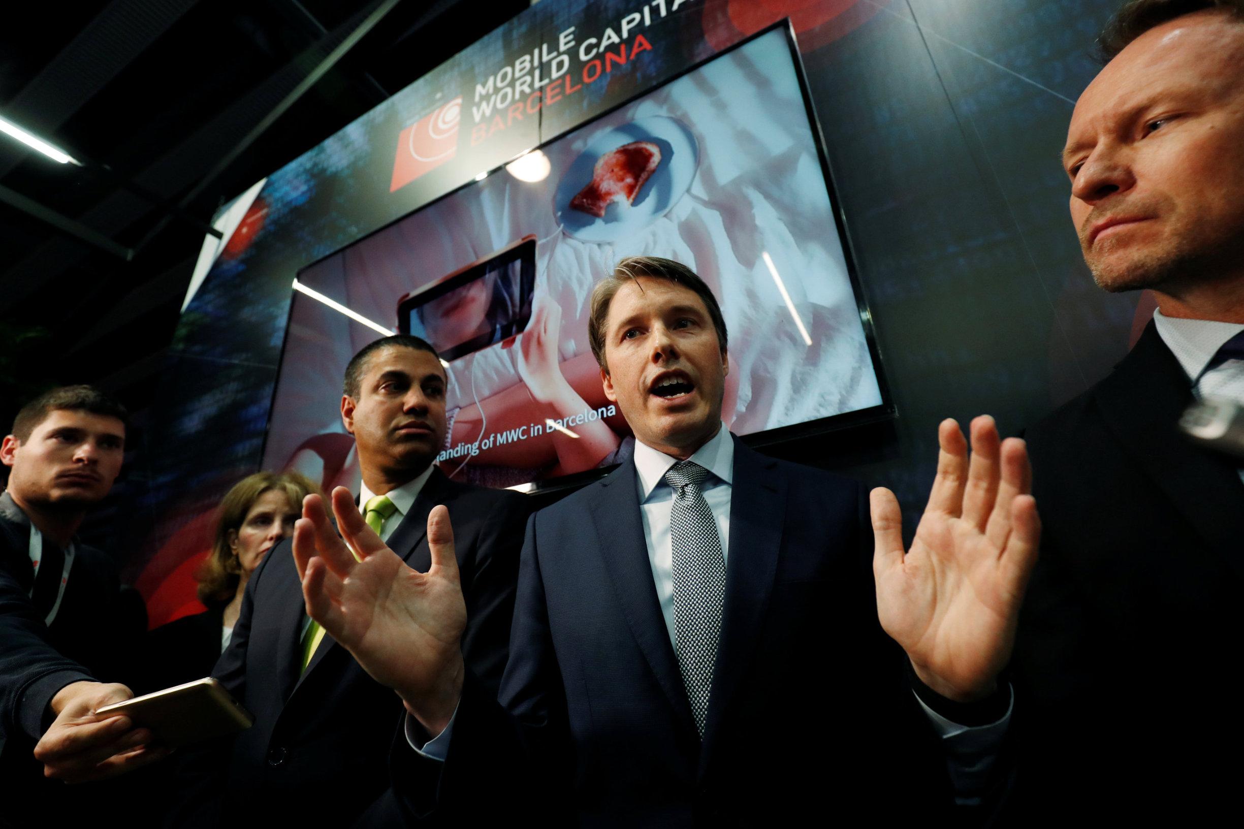 Američki veleposlanik za mrežne i međunarodne komunikacije Robert Strayer