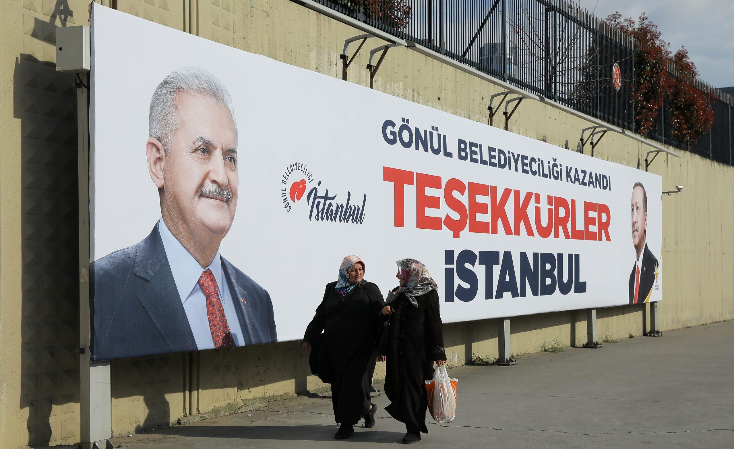 2019-04-01T151821Z_1701017553_RC1E4DE56D00_RTRMADP_3_TURKEY-ELECTION-ISTANBUL
