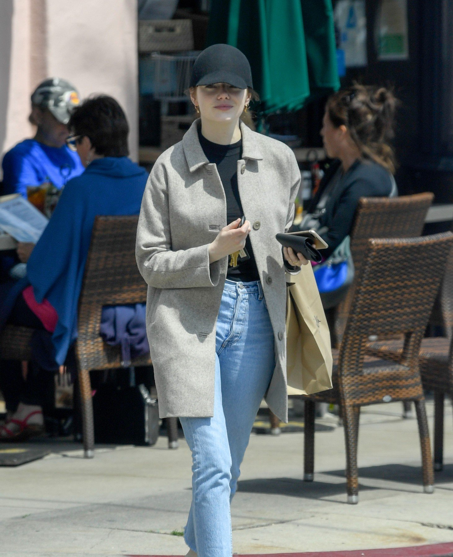 EXCLUSIVE: Emma Stone makes a rare public outing as she is seen wearing an engagement ring amid rumors her boyfriend Dave Mccary proposed to her over the holidays. 03 Apr 2019, Image: 424253017, License: Rights-managed, Restrictions: World Rights, Model Release: no, Credit line: Profimedia, Mega Agency