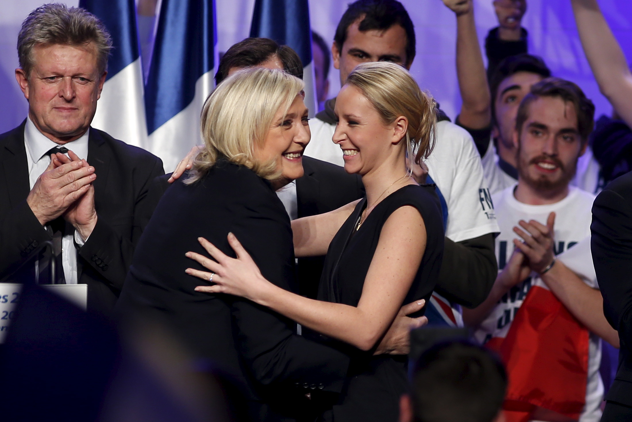 Marine Le Pen u zagrljaju s nećakinjom Marion Maréchal