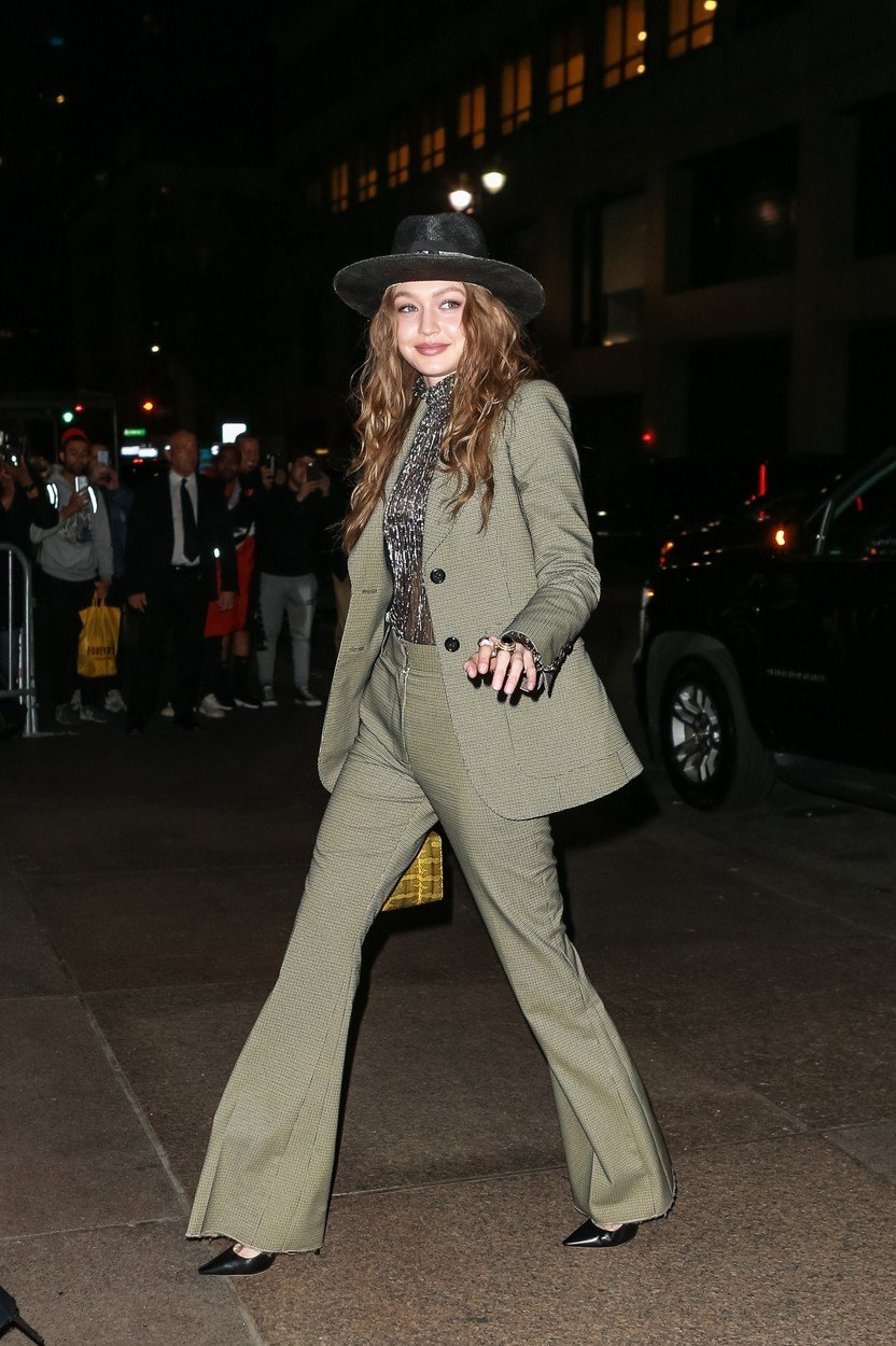 New York, NY  - Gigi and Bella Hadid arrive at Marc Jacob's wedding reception.  Pictured: Gigi Hadid    *UK Clients - Pictures Containing Children Please Pixelate Face Prior To Publication*, Image: 424787997, License: Rights-managed, Restrictions: , Model Release: no, Credit line: Profimedia, Backgrid USA
