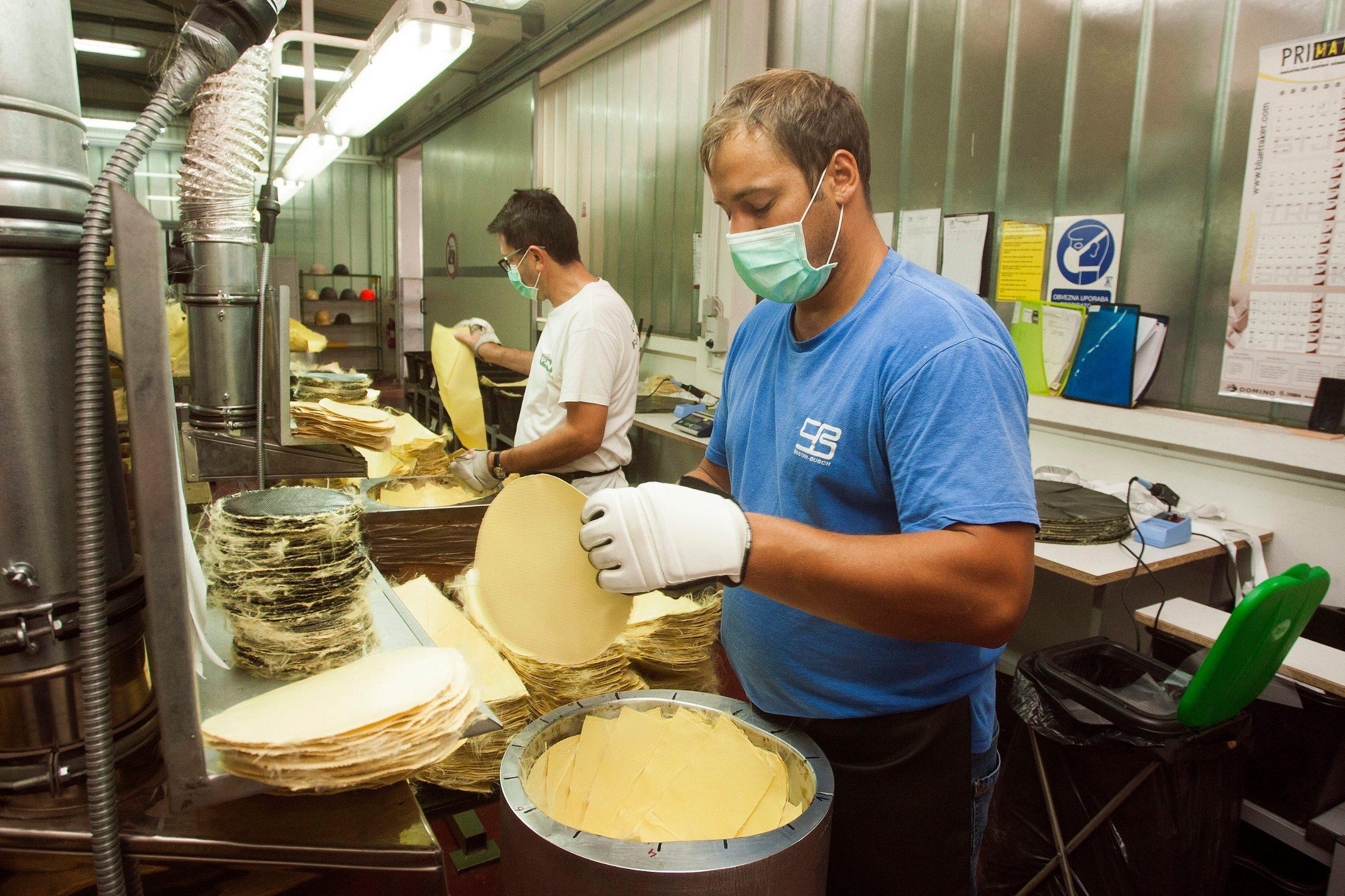Tvornica kaciga Šestan - Busch u kojoj se proizvode kacige za vojsku i policiju