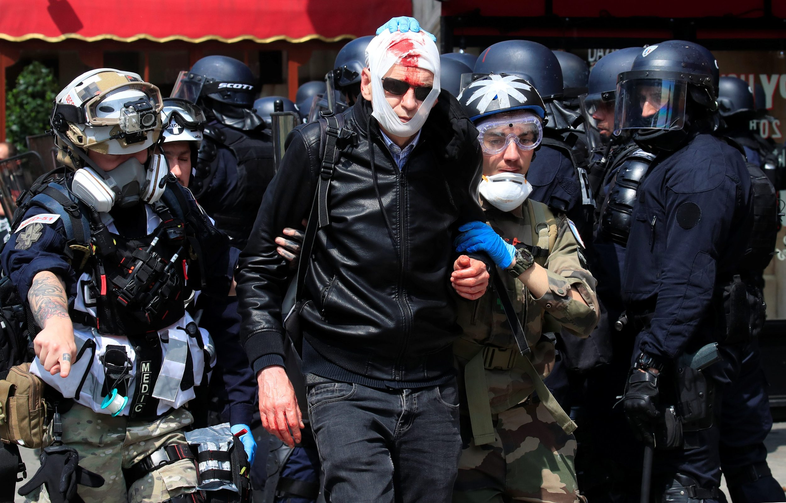 2019-05-01T114931Z_773954942_RC1ABE62FD30_RTRMADP_3_MAY-DAY-FRANCE-PROTESTS