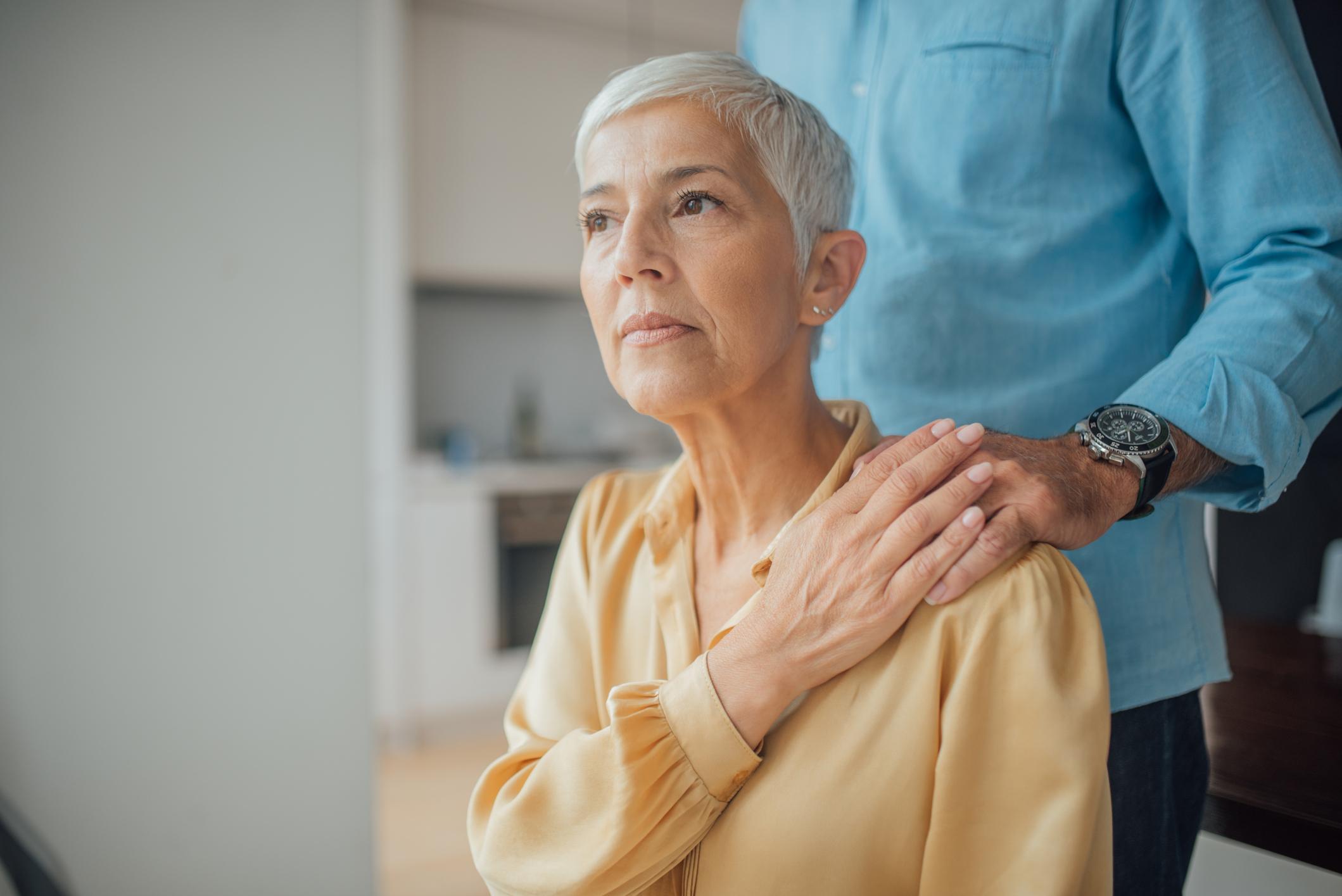 Demencija je pojam koji se prvenstveno odnosi na lošije pamćenje, a potom i na niz intelektualnih problema s pamćenjem i razmišljanjem.