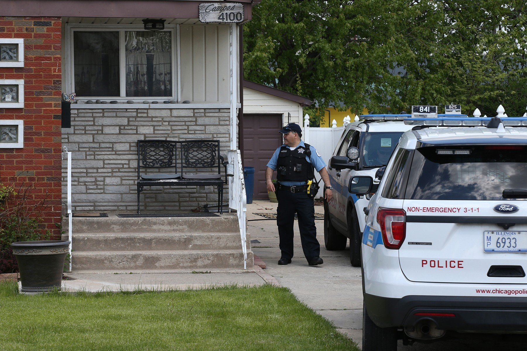 Chicago police watch over a home on Wednesday, May 15, 2019, where the body of Marlen Ochoa-Uriostegui, 19, was found., Image: 433603339, License: Rights-managed, Restrictions: *** World Rights *** US Newspapers Out ***, Model Release: no, Credit line: Profimedia, SIPA USA