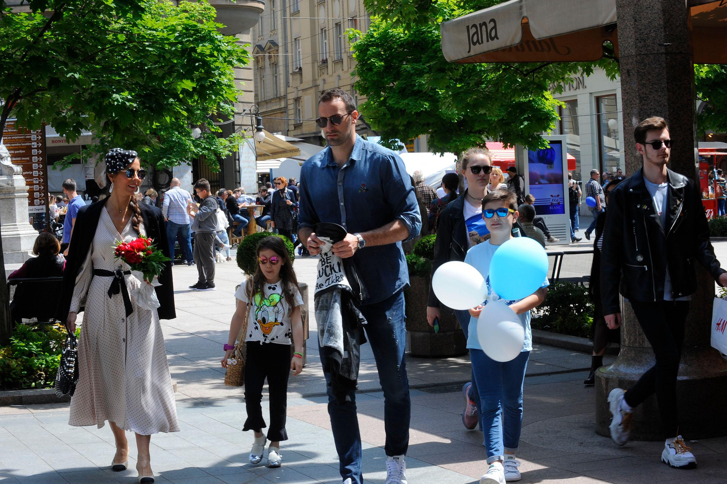 Spica / Zagreb 11.05.2019. / foto: Maja Jurovic / Olja Vori i Igor Vori i kcer Nika i sin Petar