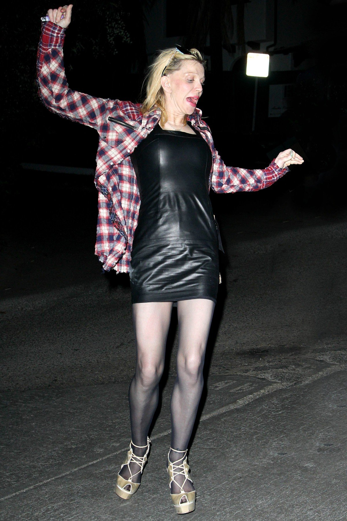Courtney Love Takes a Spill Behind The Chateau Marmont .  January 13, 2012 Los Angeles, CA, Image: 114116449, License: Rights-managed, Restrictions: , Model Release: no, Credit line: Profimedia, NPG