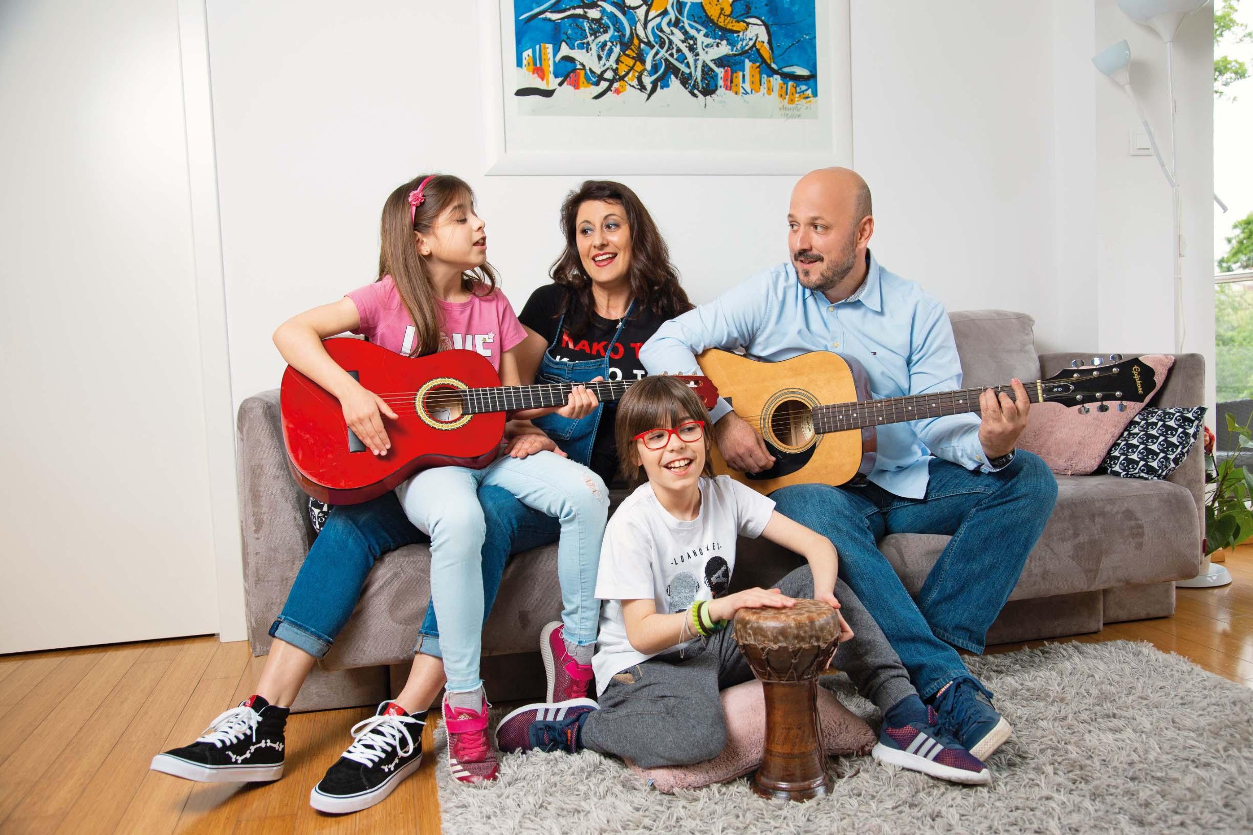 Socijalna radnica i istaknuti SDP-ovac najviše uživaju u svojem zagrebačkom domu i trenucima provedenim s kćeri Emom (8) i sinom Bornom (9)