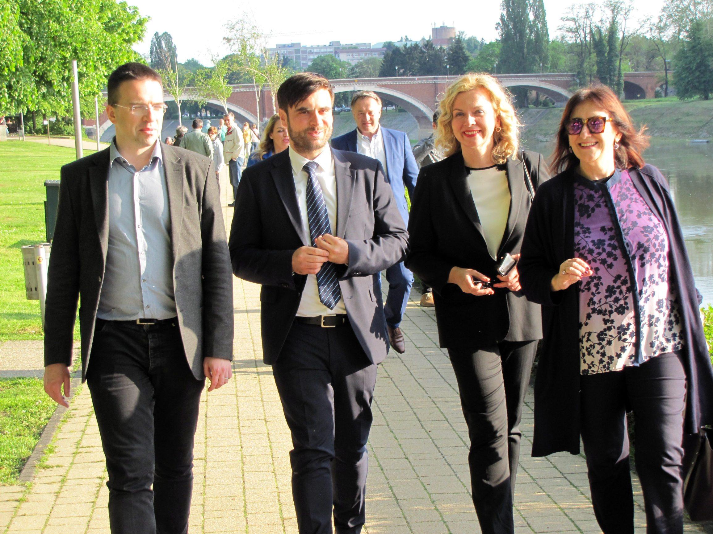 Kandidati HDZ-a za Europski parlament (s desna): Dubravka Šuica, Željana Zovko, Domagoj Maroević i Tomislav Sokol