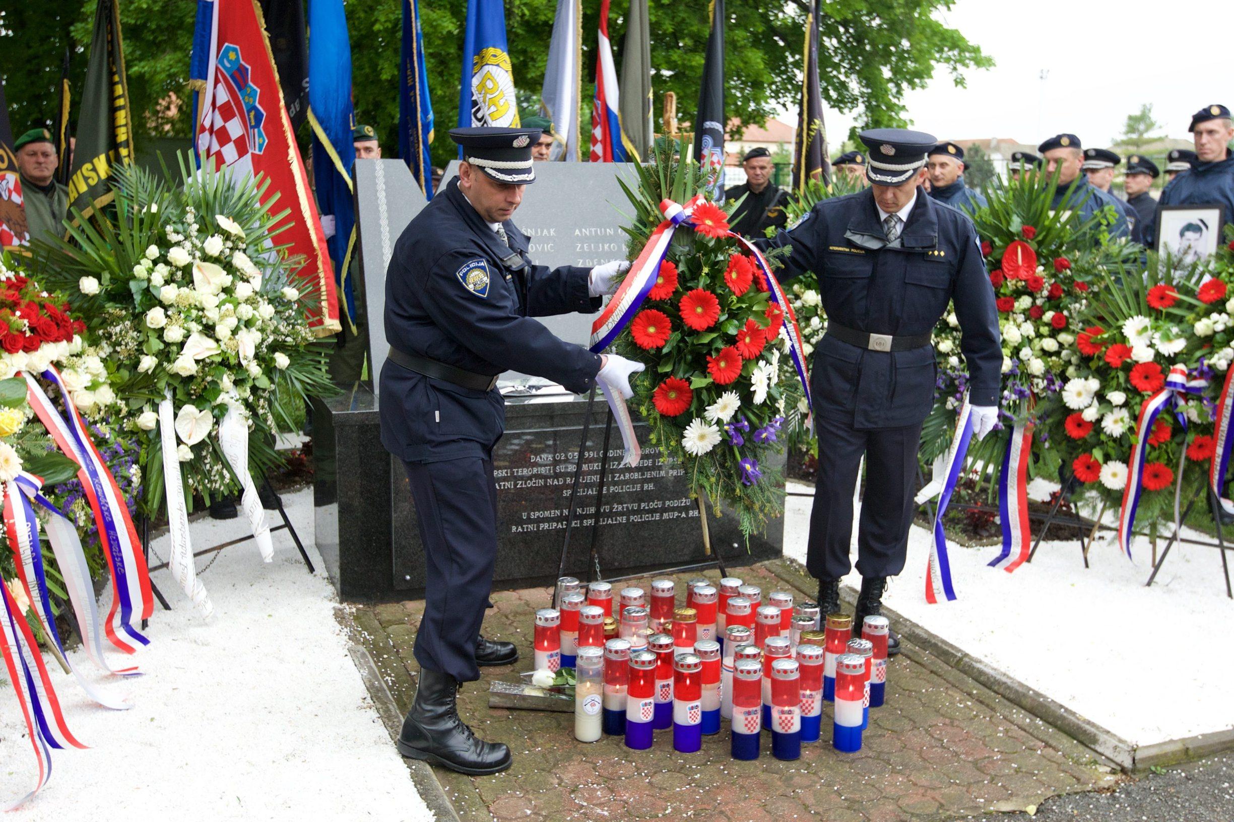borovo_policajci19-020516