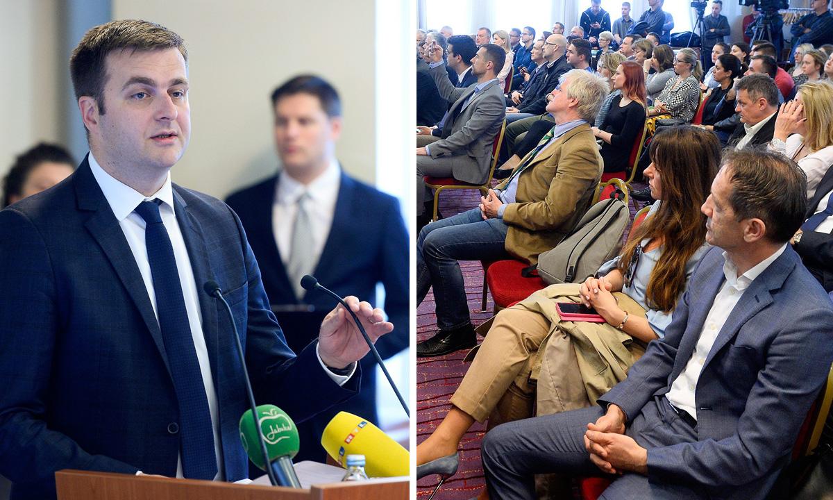 Tomislav Čorić, ministar zaštite okoliša i energetike (lijevo)