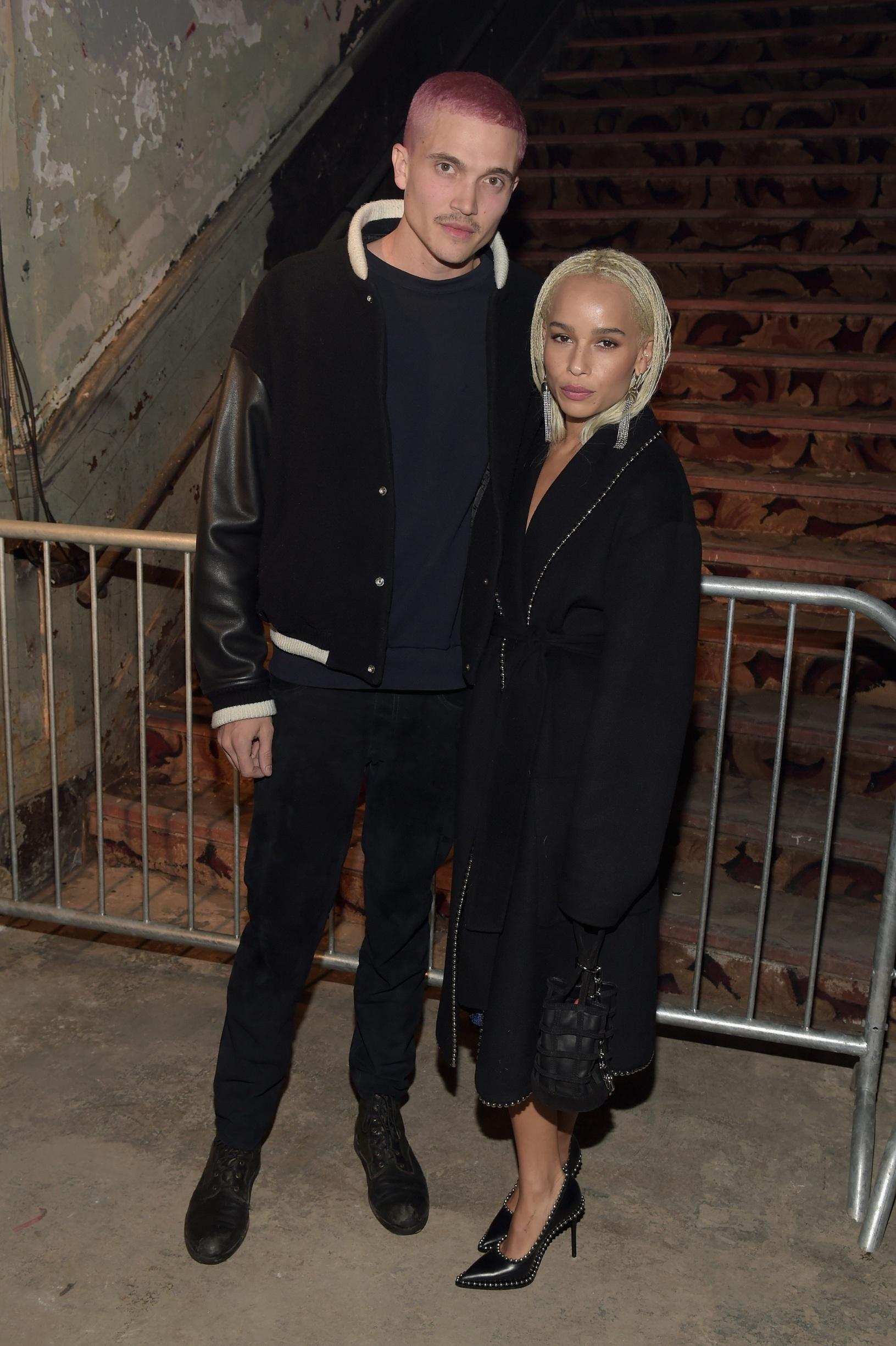 Karl Glusman i Zoe Kravitz