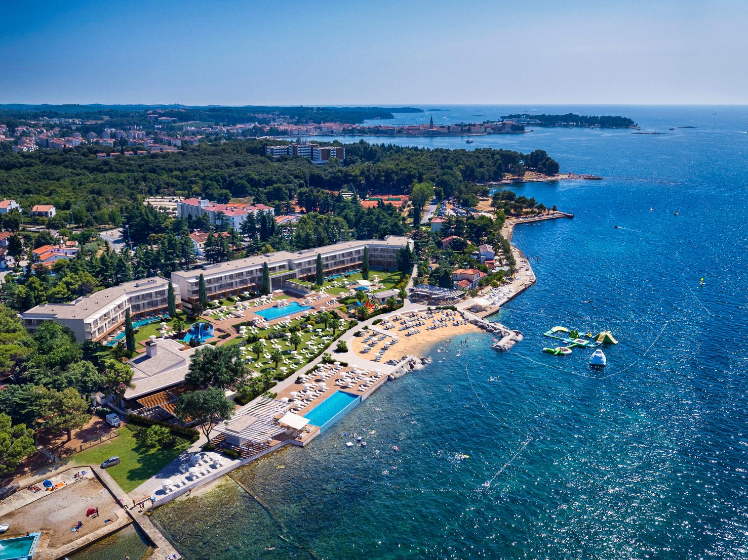 Porečki Valamar preuredio je staro apartmansko naselje u moderno turističko naselje Marea suites s pet bazena i obnovljenom plažom
