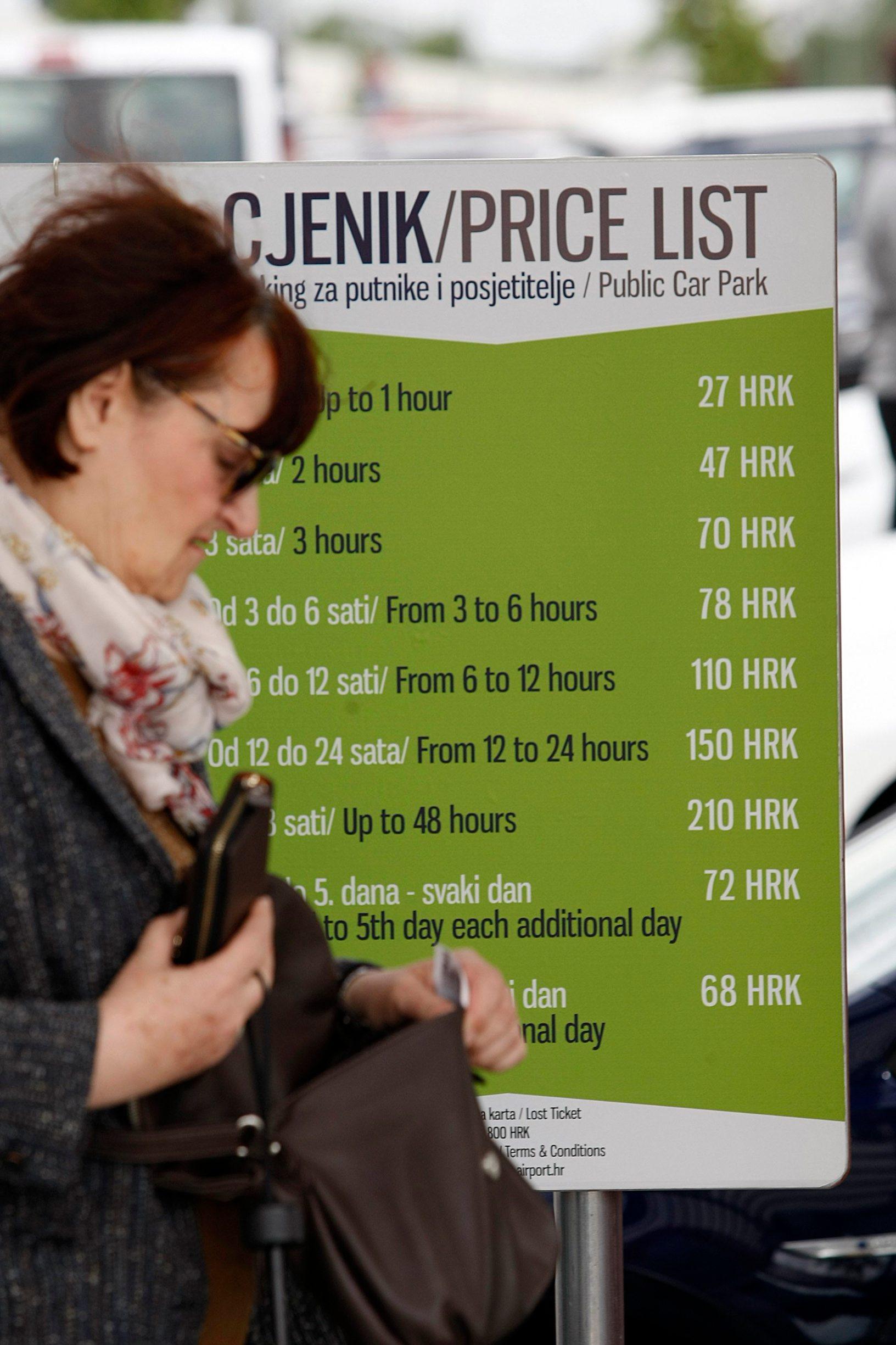 Zagreb, 030519. Zracna luka Franjo Tudjman. Ukinuta je usluga da taksisti i gradjani mogu besplatno na pola sata otici po putnika.  Foto: Ranko Suvar / CROPIX