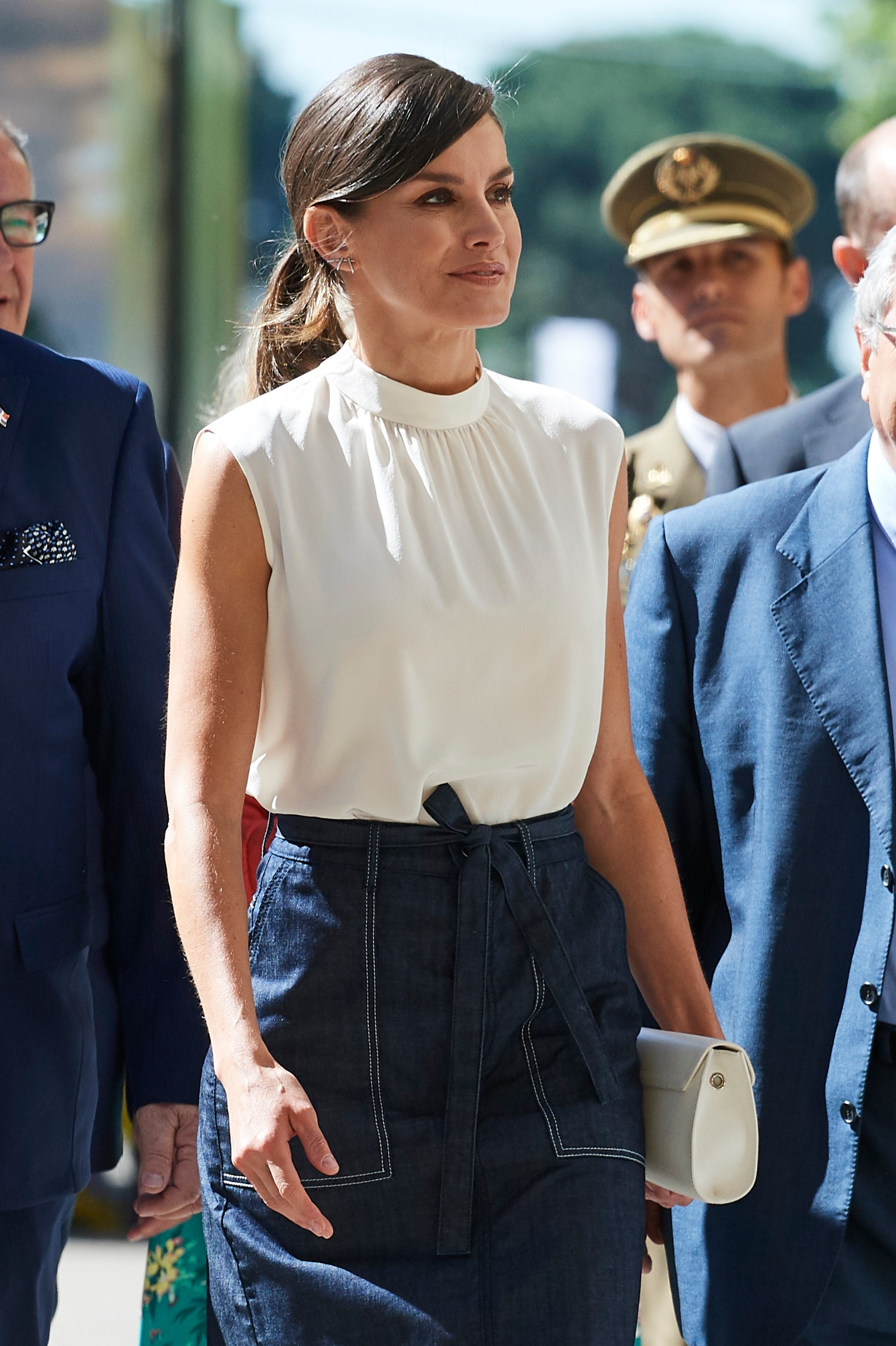 MADRID, SPAIN - MAY 31:  Queen Letizia of Spain attends the opening of Madrid Book Fair on May 31, 2019 in Madrid, Spain. (Photo by Carlos Alvarez/Getty Images)