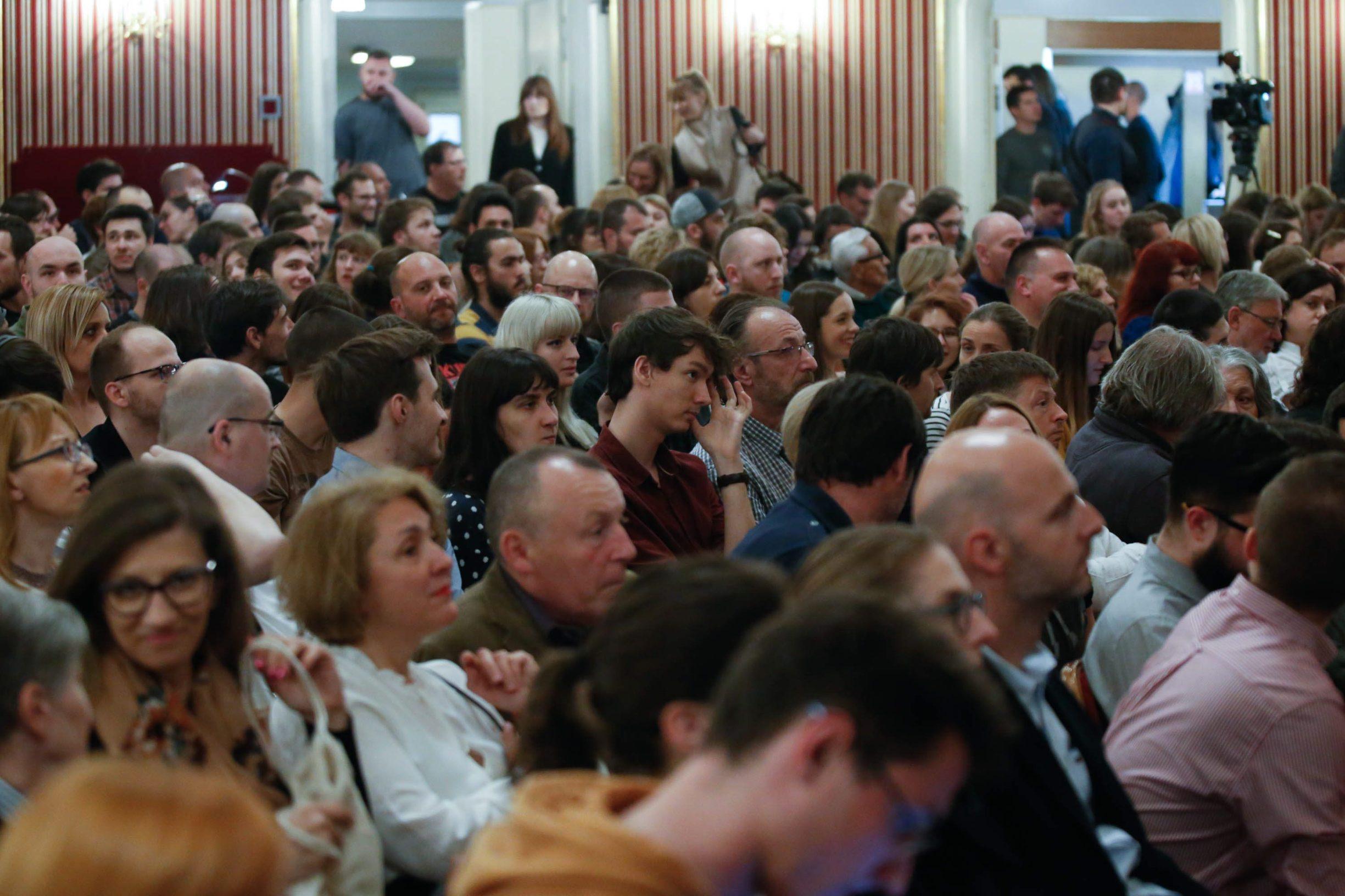 Zagreb, 040519. HNK. Filozof Slavoj Zizek gostovao na Filozofskom teatru u HNK. Na fotografiji: publika. Foto: Marko Todorov / CROPIX