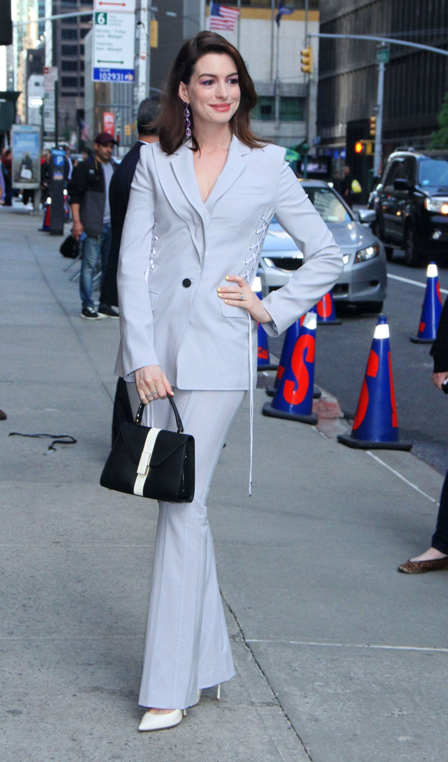 , New York, NY - 20190507-Anne Hathaway Visits The Late Show With Stephen Colbert  -PICTURED: Anne Hathaway -, Image: 431615387, License: Rights-managed, Restrictions: , Model Release: no, Credit line: Profimedia, INSTAR Images