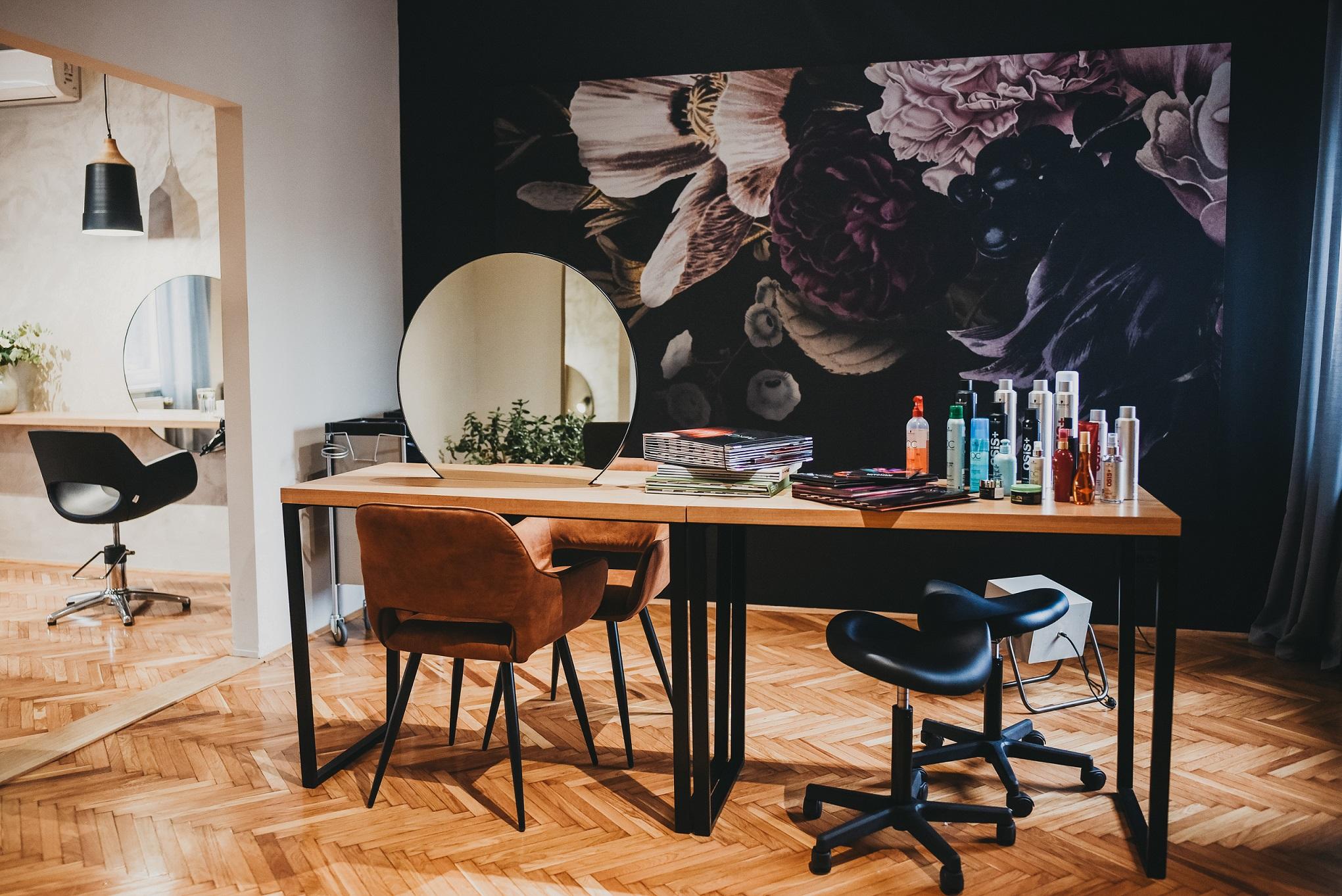 Frida Hair salon 9