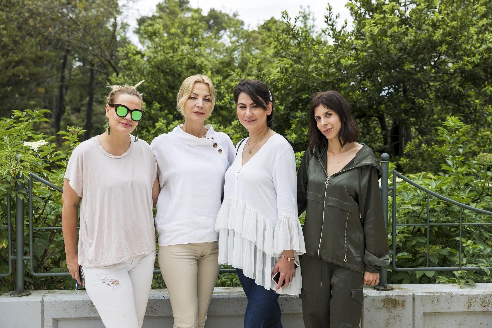 Mame Nevena Rendeli Vejzović, Lea Biljman i Ana Vladušić doznale su od prof. dr. sc. Mirne Šitum kako najbolje zaštiti nježnu kožu svoje djece od opasnih sunčevih zraka.