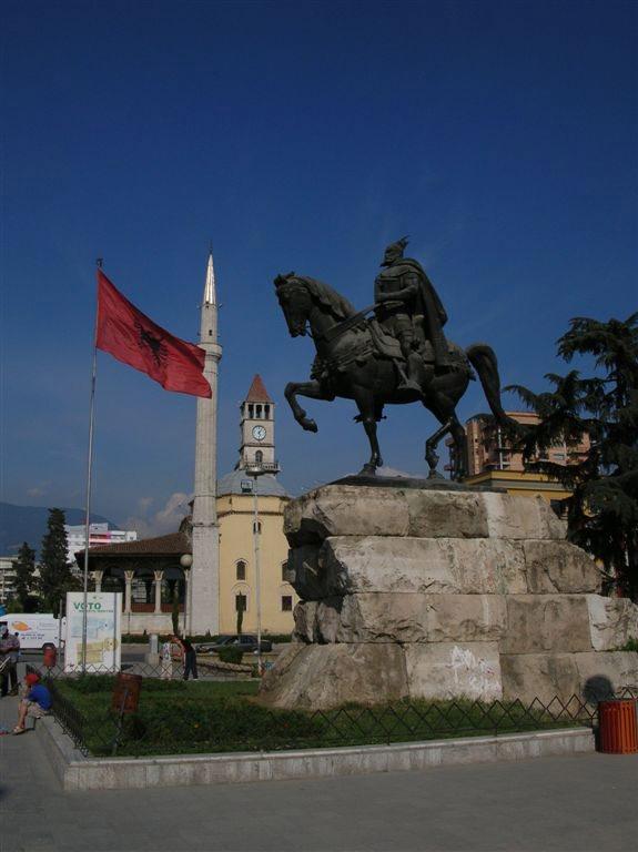 albanija-tirana63006-mag
