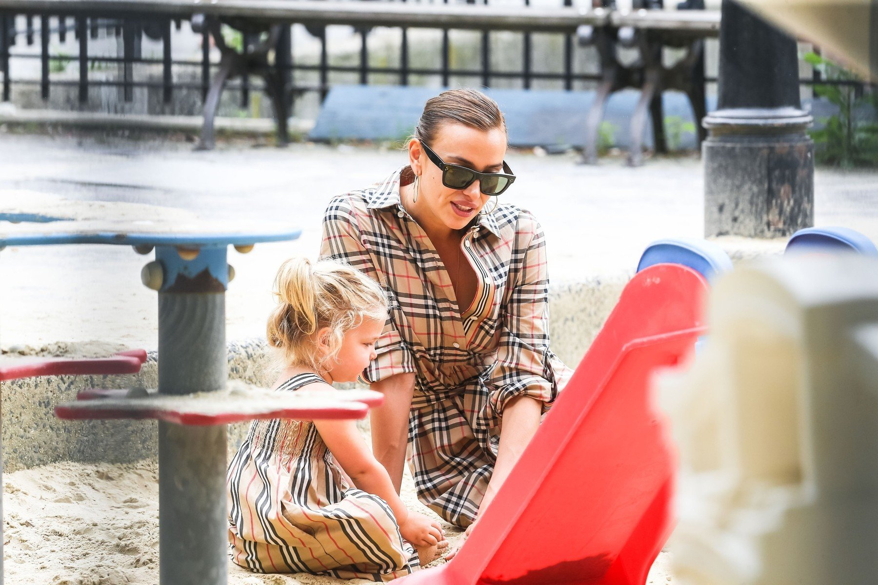 New York, NY  - Irina Shayk enjoys time with her daughter after breaking up with Bradley Cooper. The duo are seen enjoying their day at the park together.  *UK Clients - Pictures Containing Children Please Pixelate Face Prior To Publication*, Image: 448732725, License: Rights-managed, Restrictions: , Model Release: no, Credit line: Profimedia, Backgrid USA