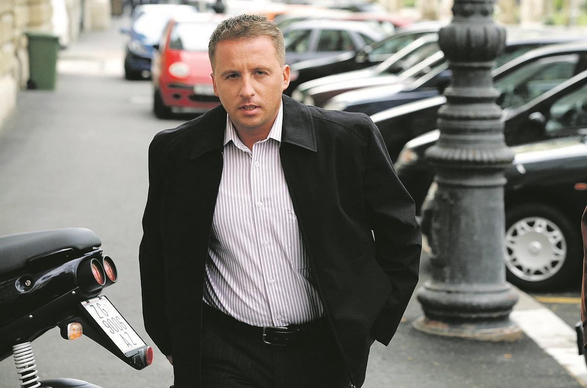 zagreb,250407 krunoslav fehir dolazi na zupanijski sud kao svjedok u sudjenju protiv okrivljenika branimira glavasa foto:ranko suvar -desk-